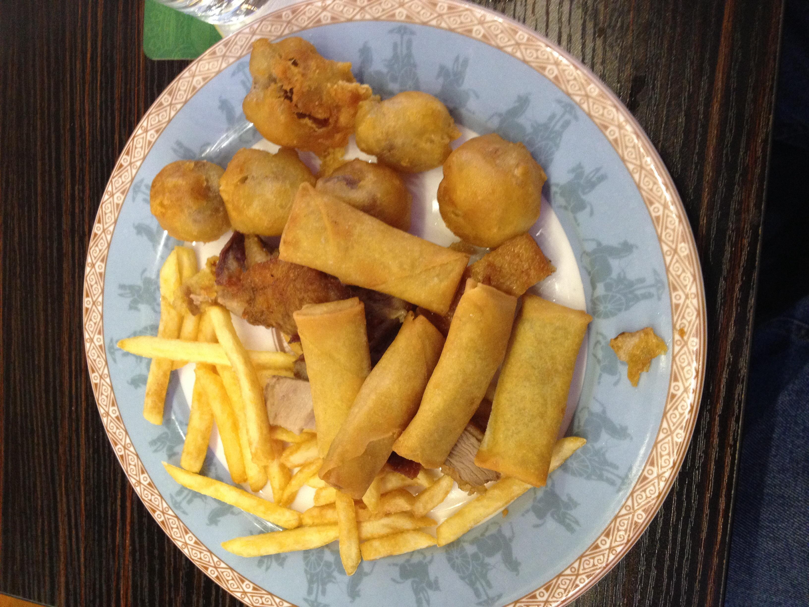 http://foodloader.net/BrollyLSSJ_2015-03-07_Yangtze_-_Buffet_-_Teller_2.jpg