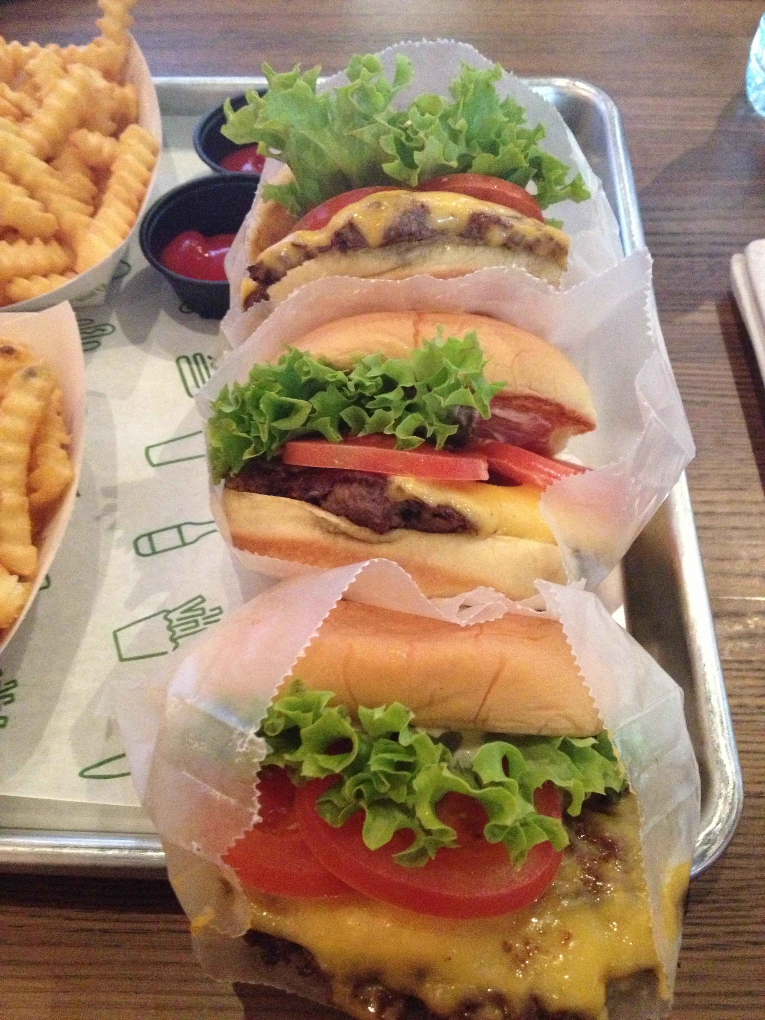 http://foodloader.net/Chu_2012-12-28_Shake_Shack_3.jpg