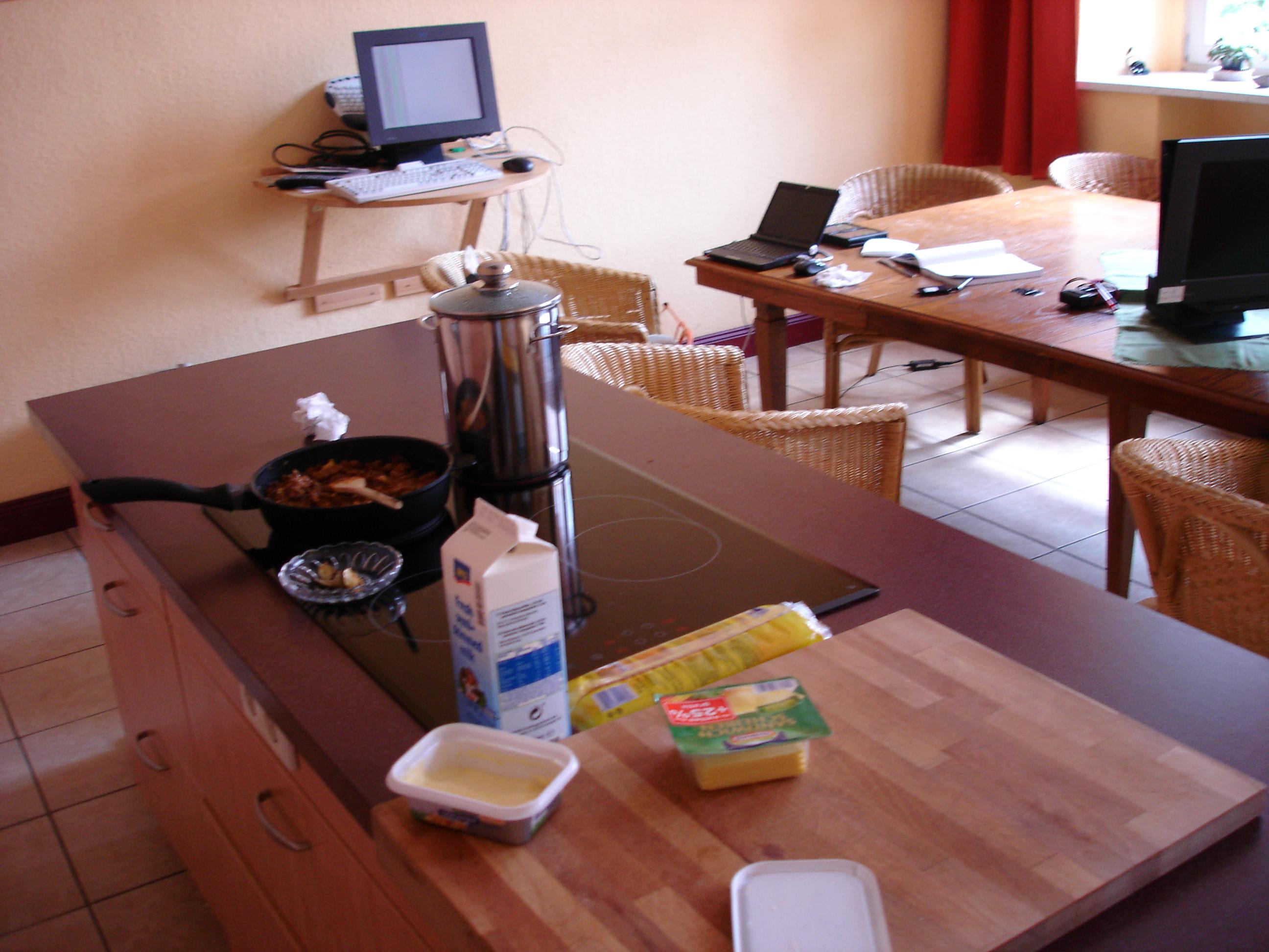 https://foodloader.net/Dany303_2009-04-30_Spaghetti_mit_Rinderhack_vorbereitung.jpg