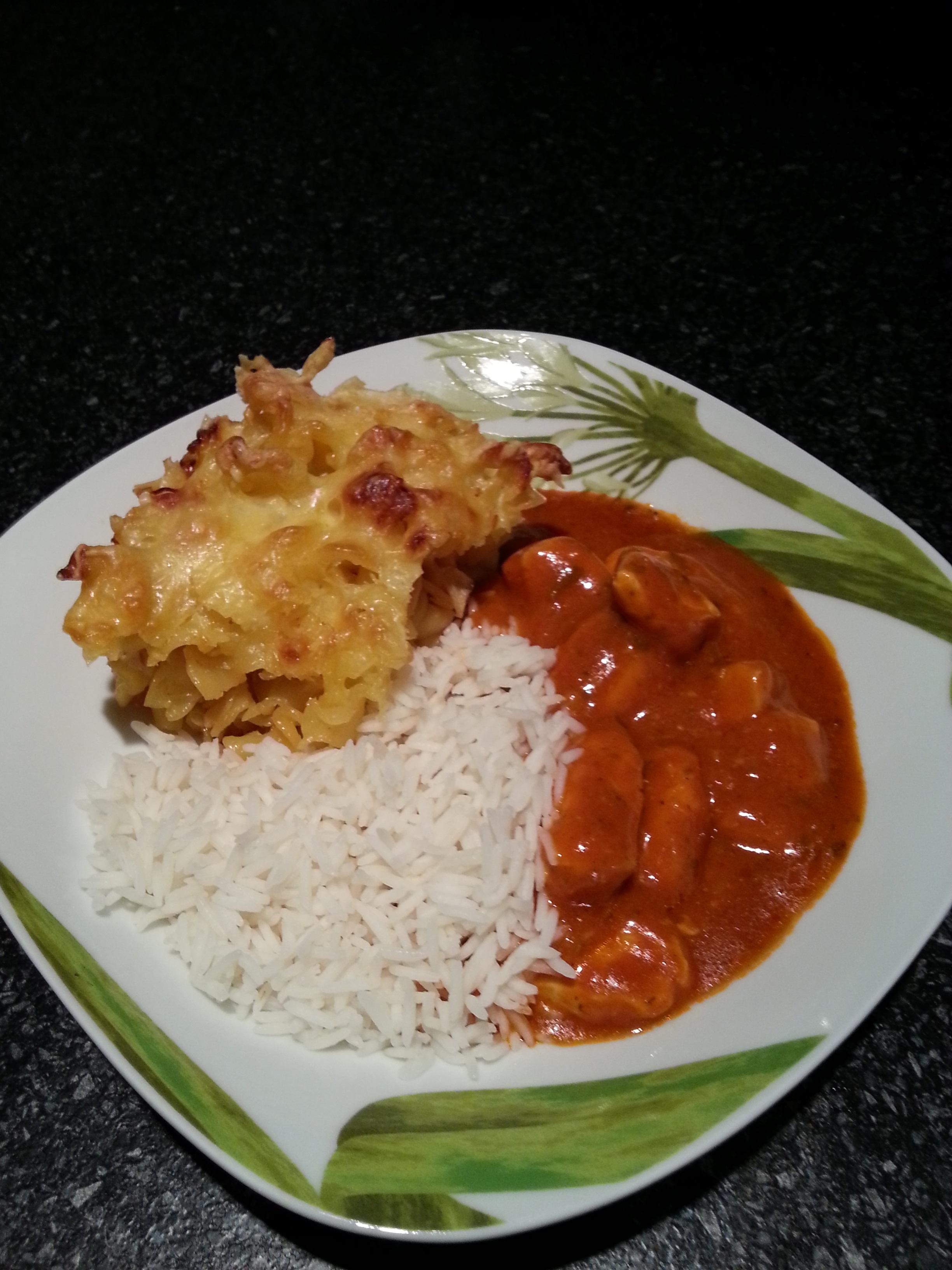 https://foodloader.net/DeepBlueSea_2014-09-09_Thai_H__hnchen_Red_Curry_mit_Reis_und_Nudelauflauf.jpg