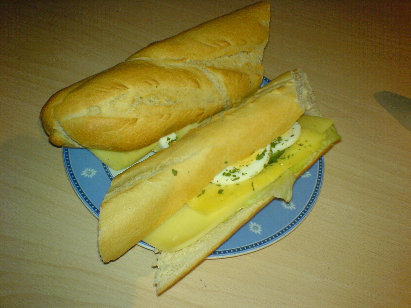 http://foodloader.net/Holz_2007-11-01_Kaesebaguettes.jpg