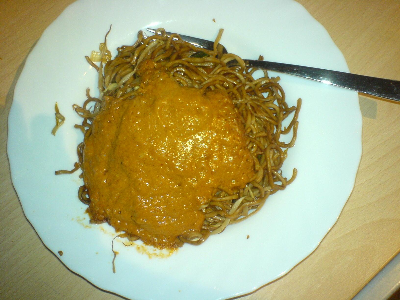 https://foodloader.net/Holz_2008-02-25_Asianudeln_in_Satesauce.jpg
