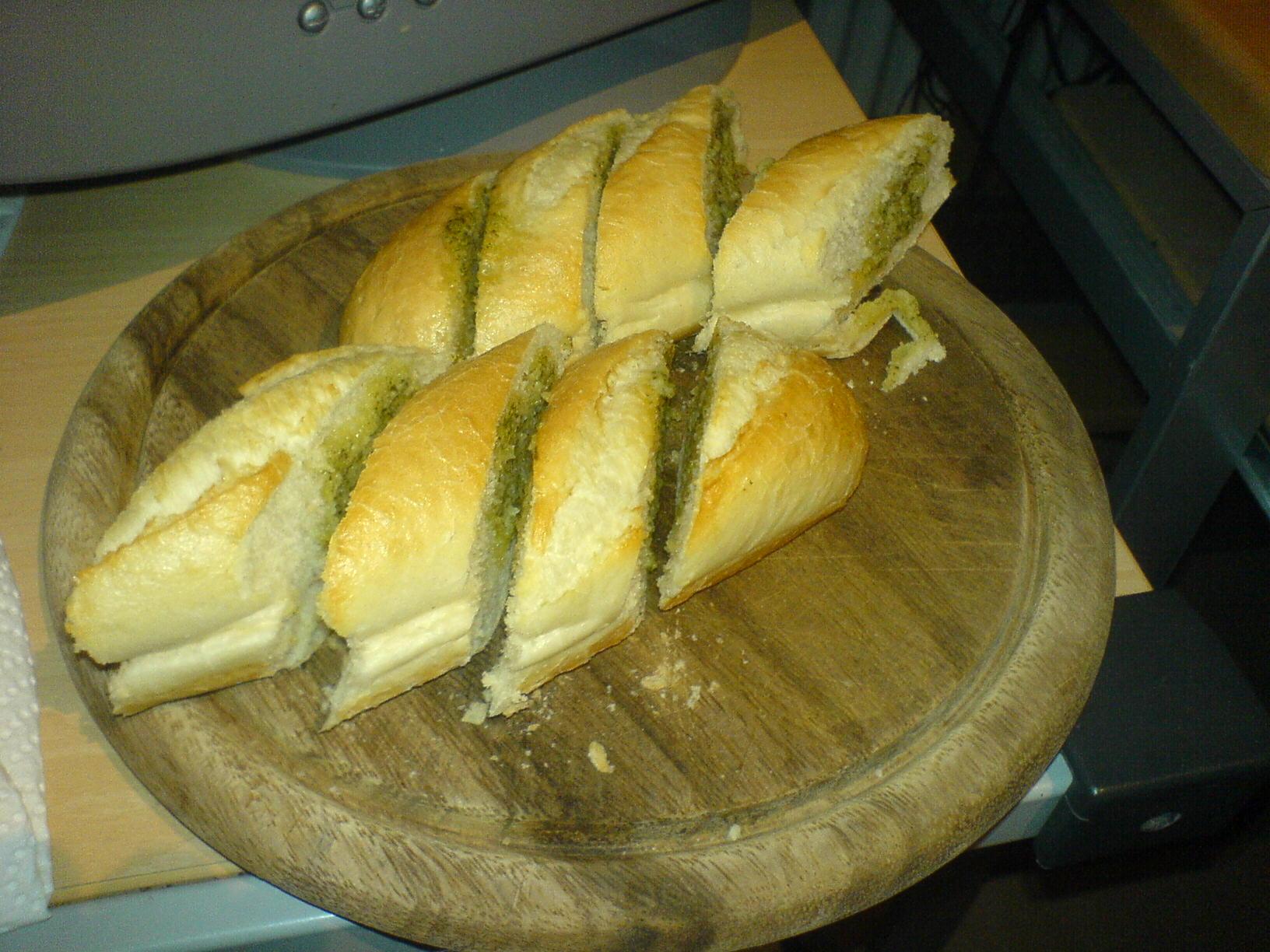 http://foodloader.net/Holz_2009-04-27_Kraeuterbaguette.jpg