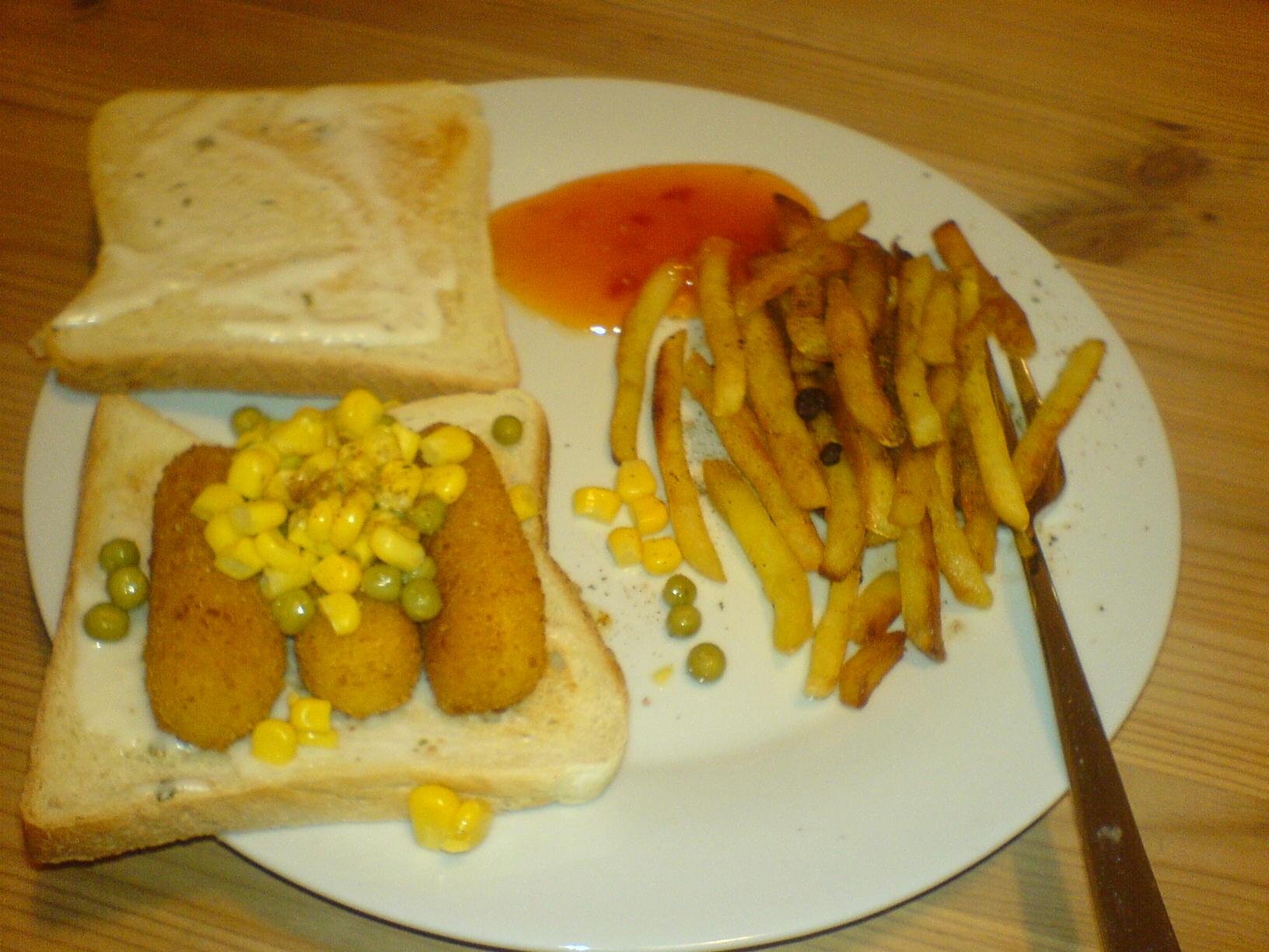 http://foodloader.net/Holz_2009-05-30_Frischkaese-Sticks_auf_Toast_mit_Pommes.jpg