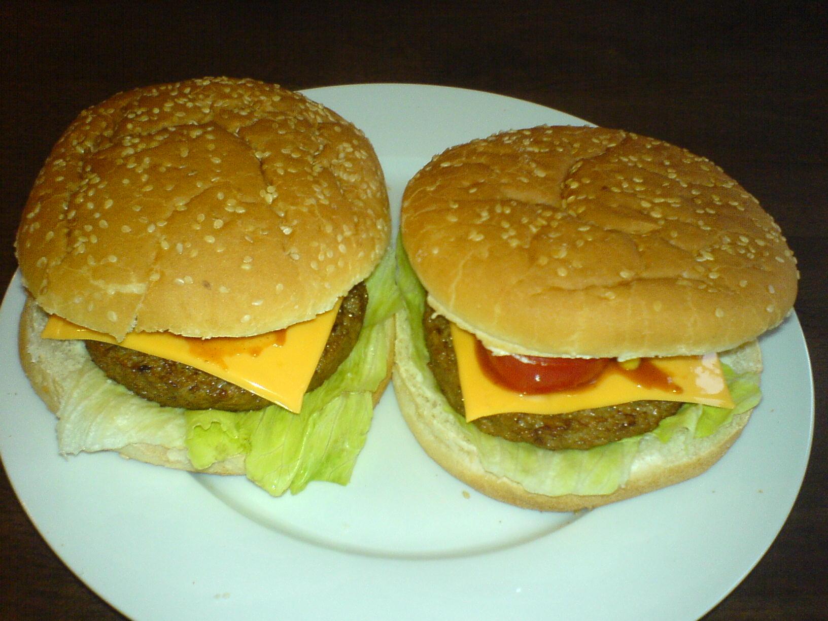 https://foodloader.net/Holz_2010-09-02_selbstgemachte_Hamburger.jpg