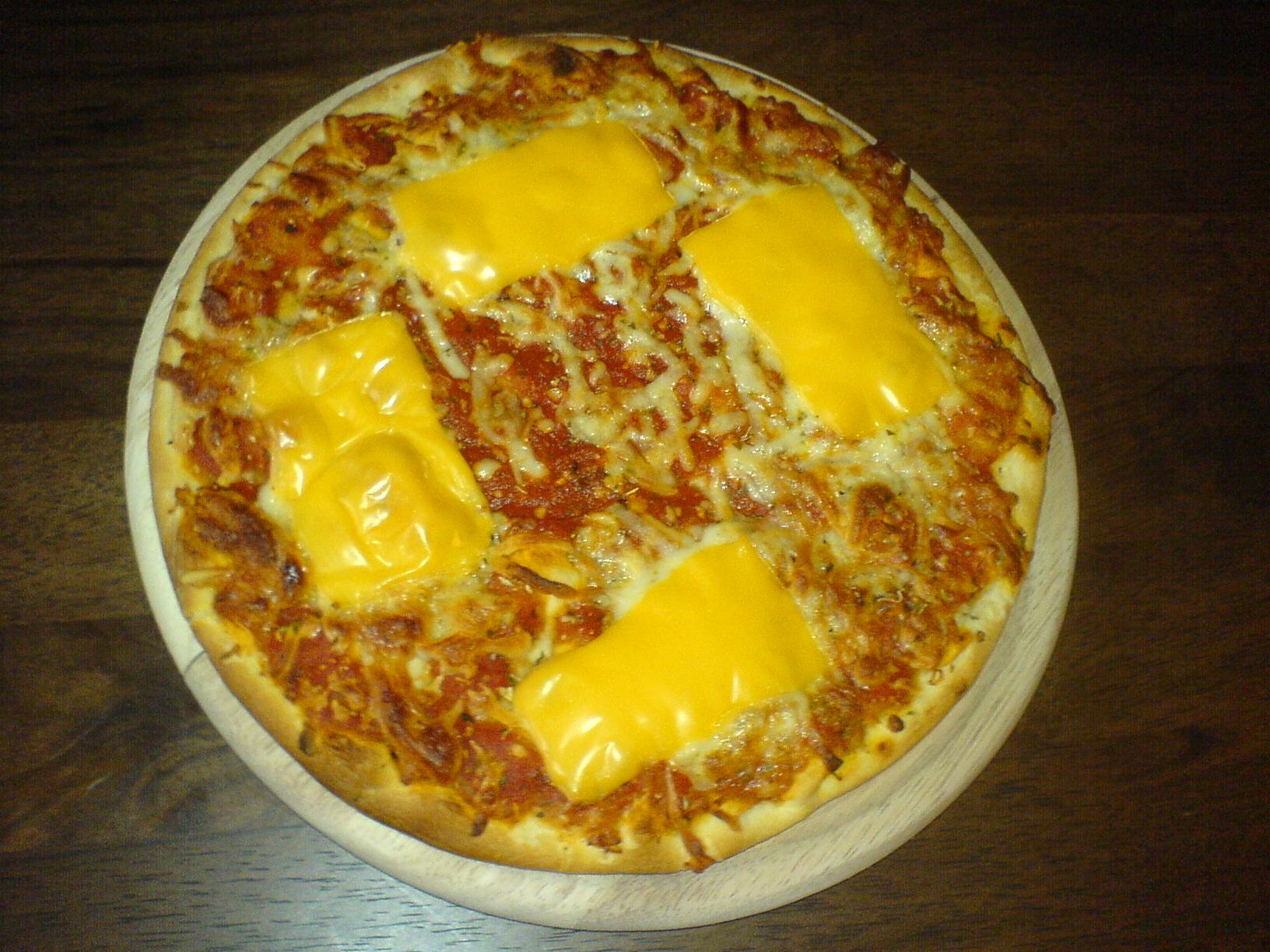 https://foodloader.net/Holz_2011-05-15_Pizza.jpg