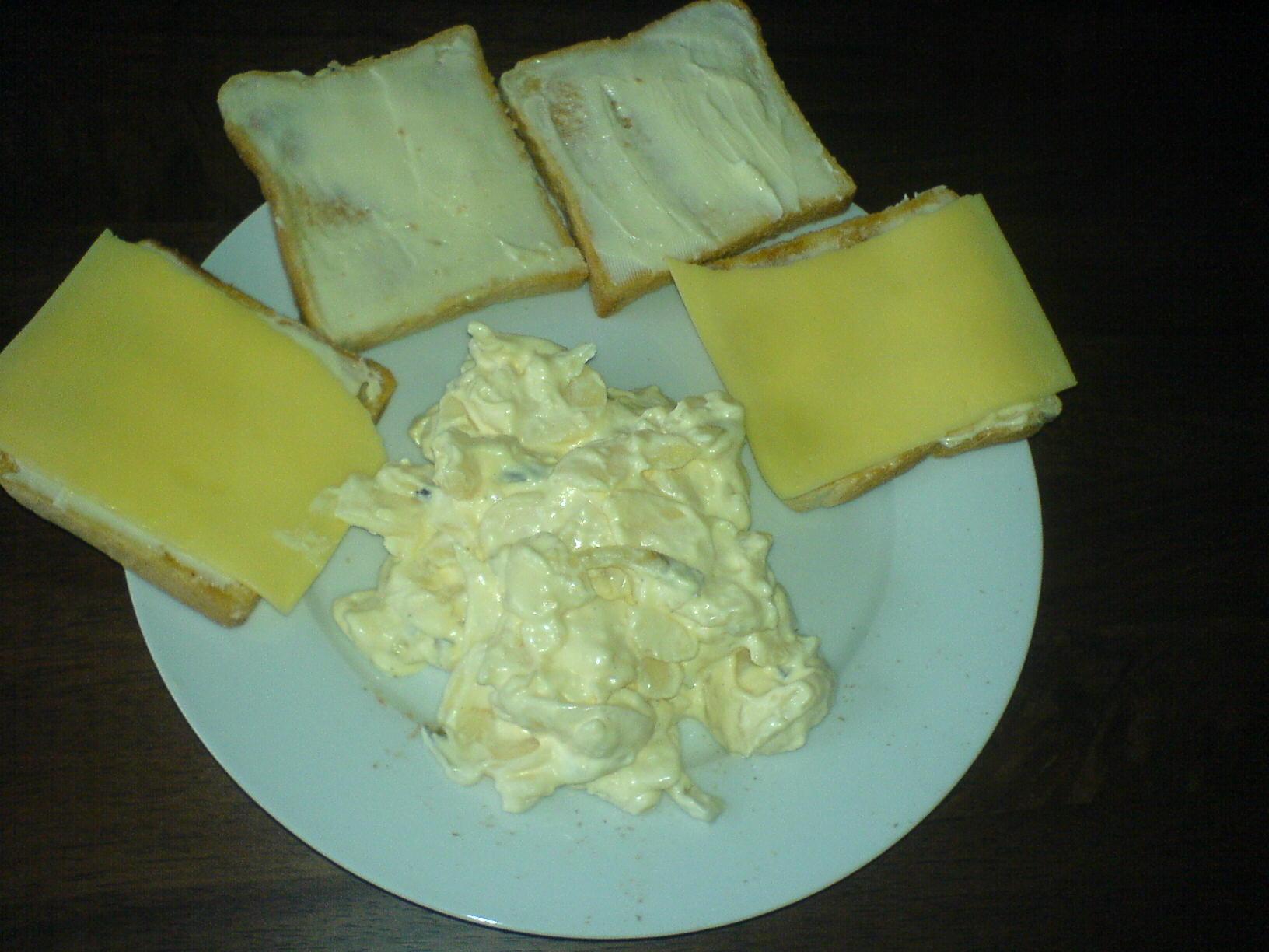 http://foodloader.net/Holz_2011-06-21_Kaesetoasts_mit_Kartoffelsalat.jpg