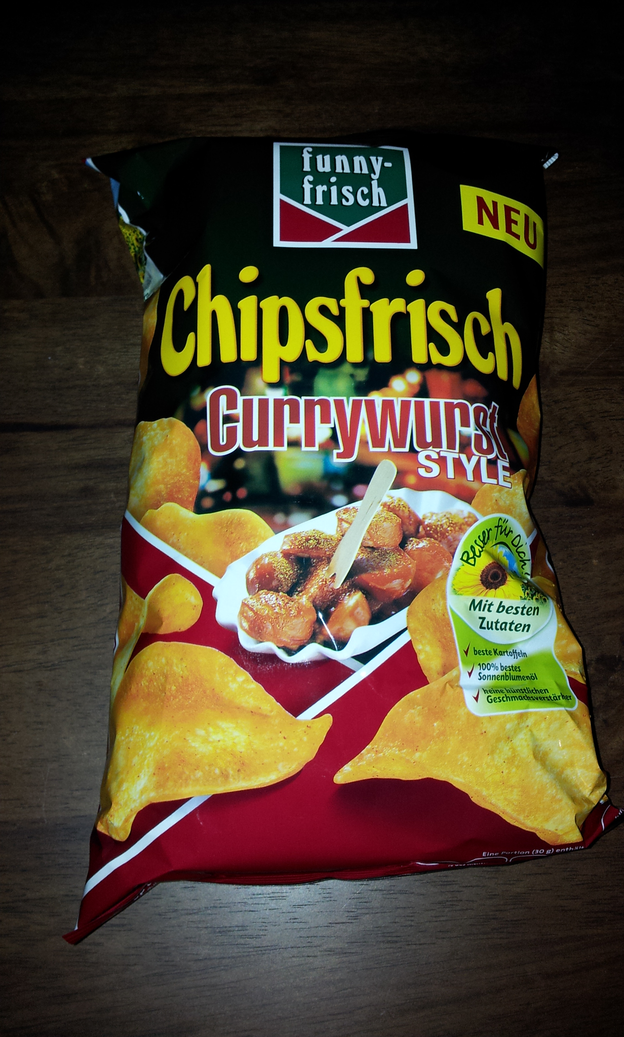 http://foodloader.net/Holz_2011-12-07_Chipsfrisch_Currywurst.jpg