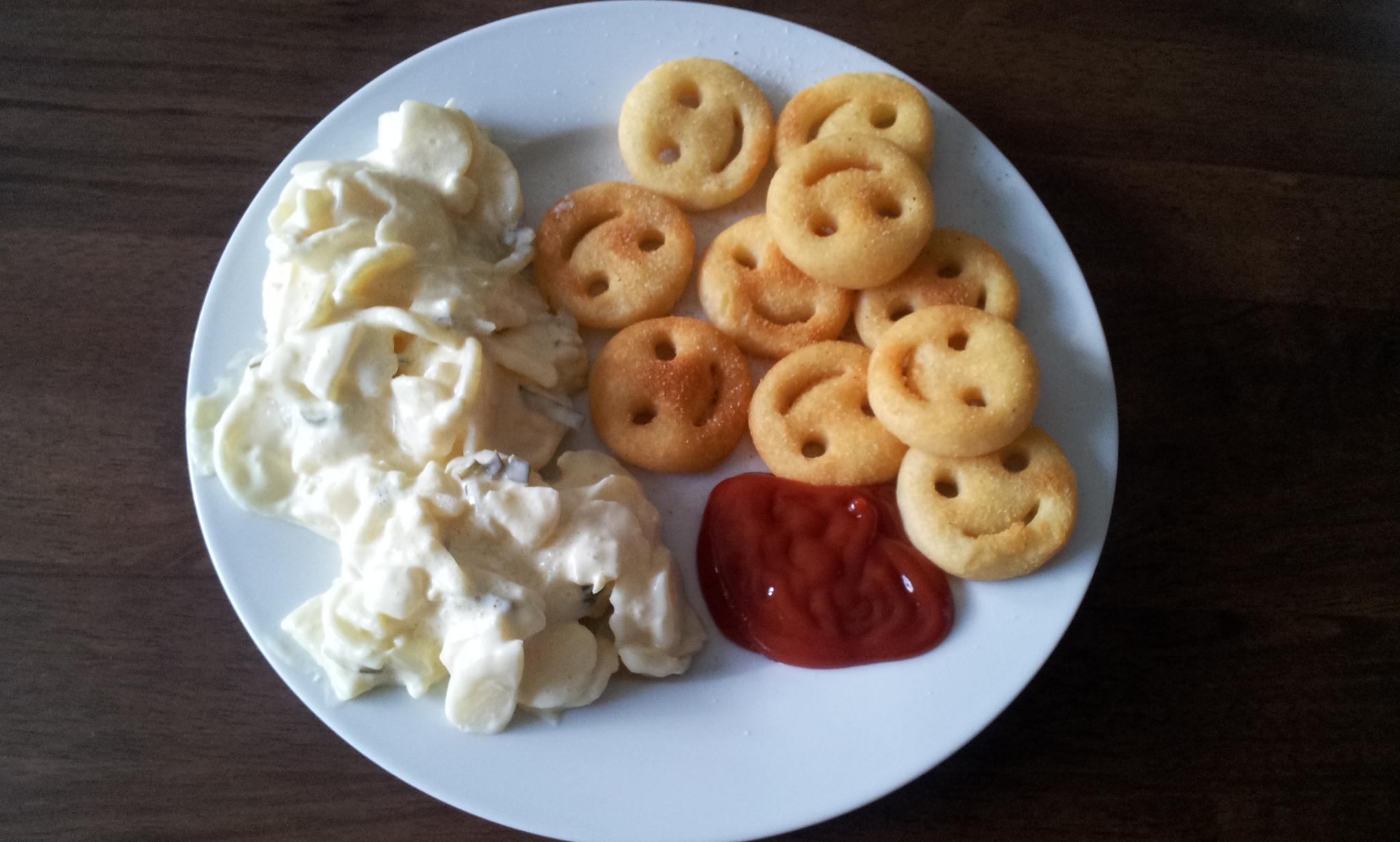 https://foodloader.net/Holz_2011-14-08_Kartoffelsalat_mit_Smiles.jpg