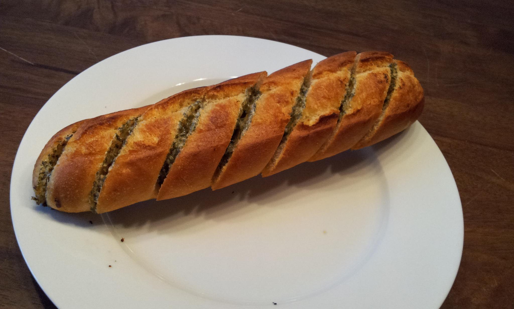 http://foodloader.net/Holz_2012-06-04_Kraeuterbaguette.jpg