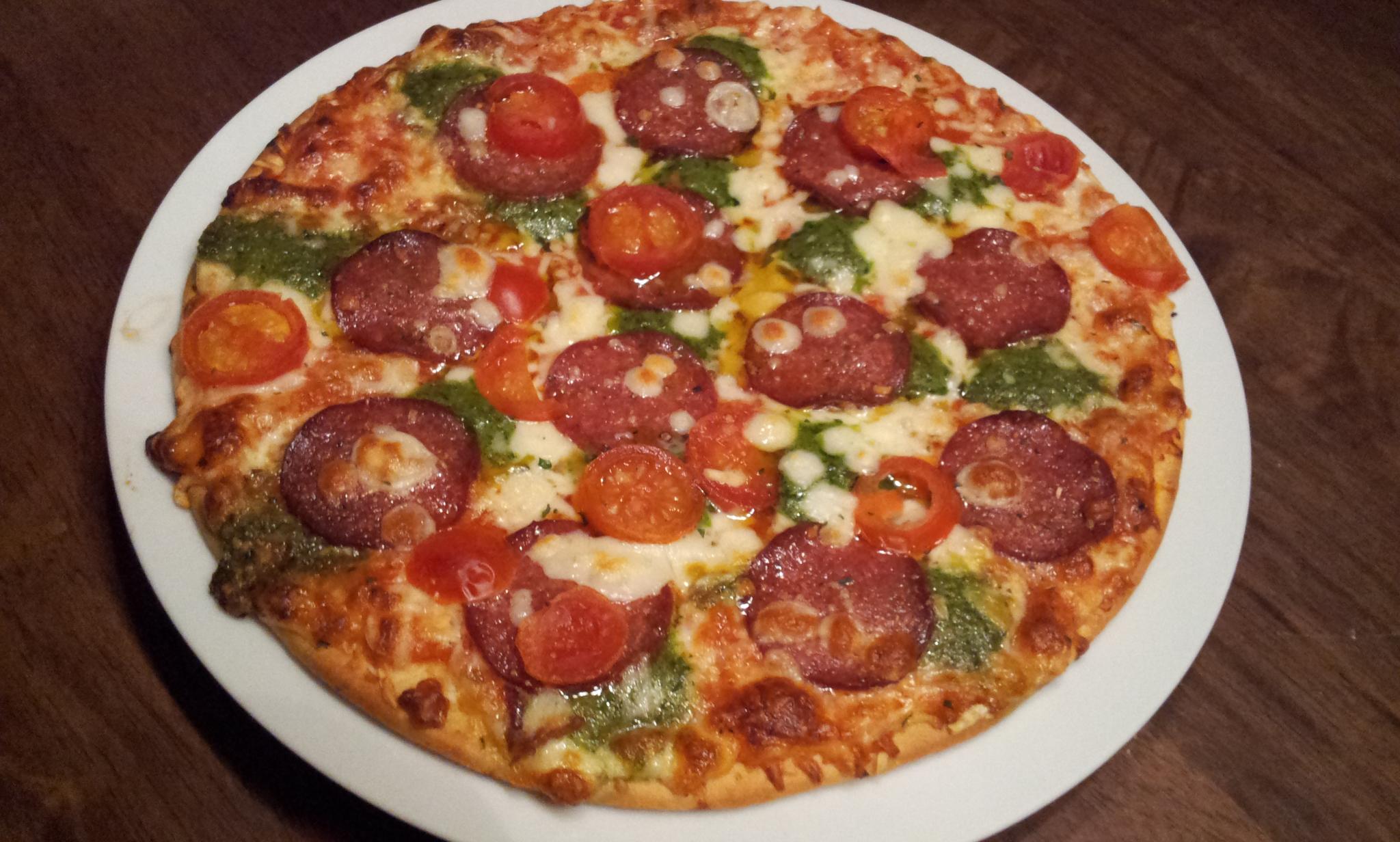https://foodloader.net/Holz_2012-11-08_Pizza.jpg