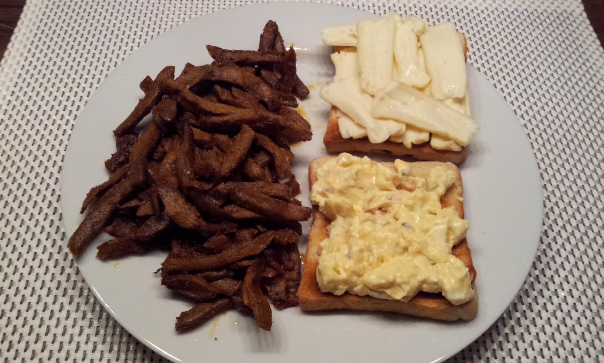 https://foodloader.net/Holz_2013-02-25_Gyros_mit_Eier-_und_Camembert-Toasts.jpg