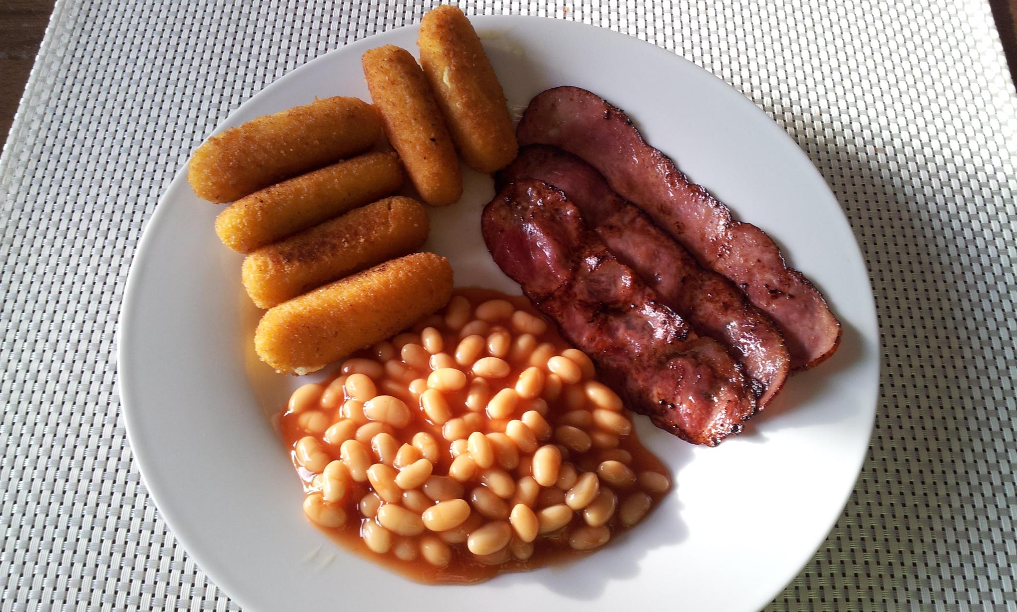 https://foodloader.net/Holz_2013-08-06_Frischkaesesticks_mit_Puten-Bacon_und_Heinz_Beanz.jpg