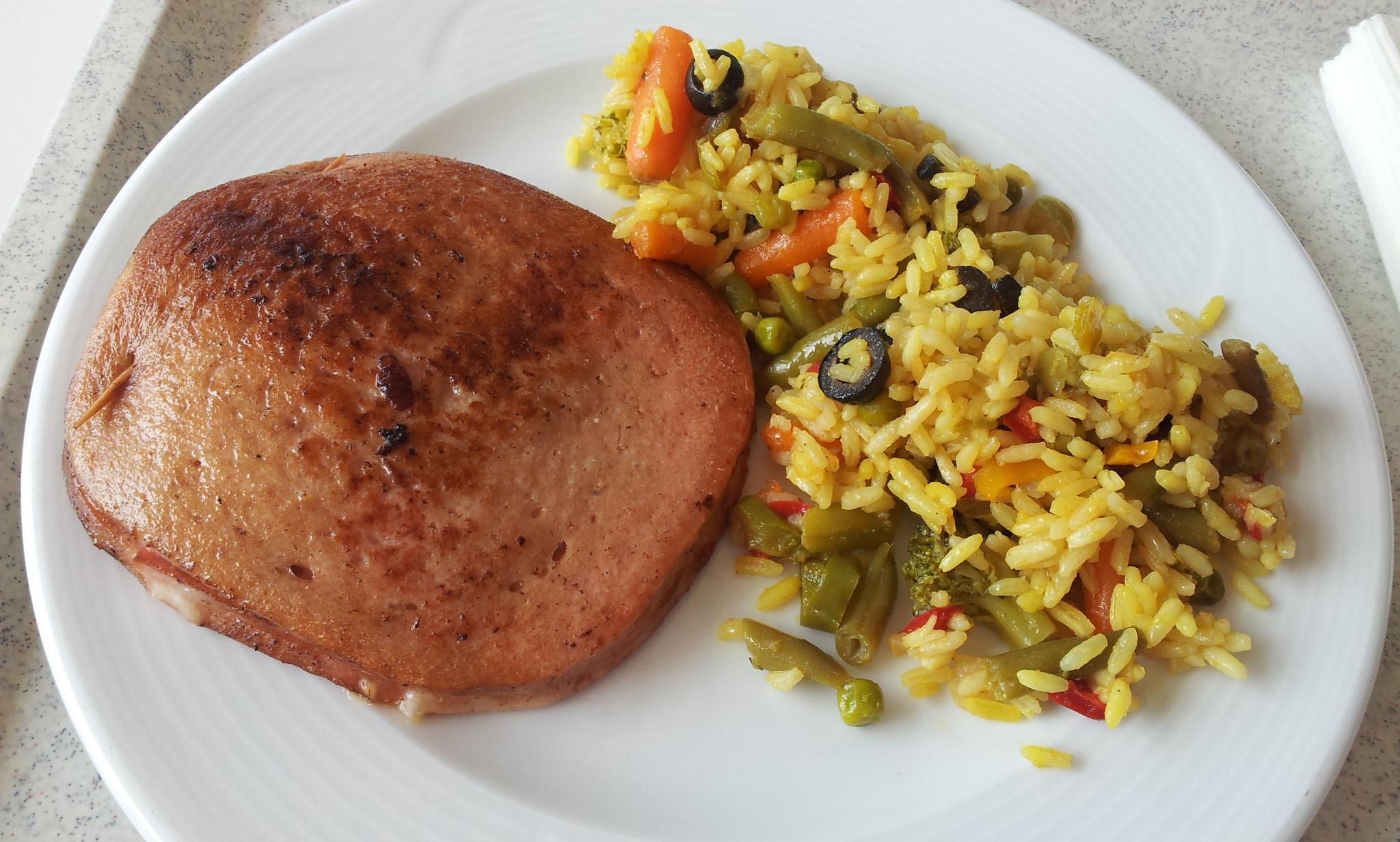 https://foodloader.net/Holz_2013-08-22_Fleischkaesetasche_mit_Paella.jpg