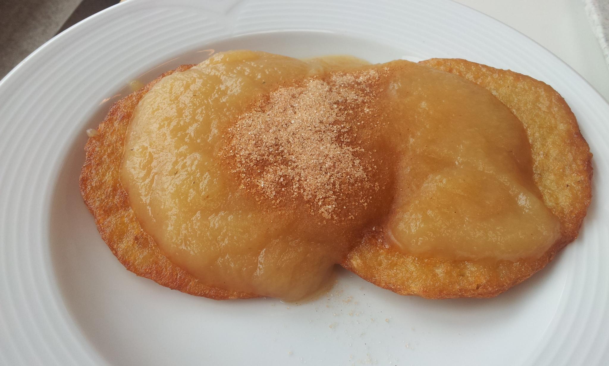 https://foodloader.net/Holz_2013-08-26_Kartoffelpuffer_mit_Apfelmus_und_Zimt.jpg