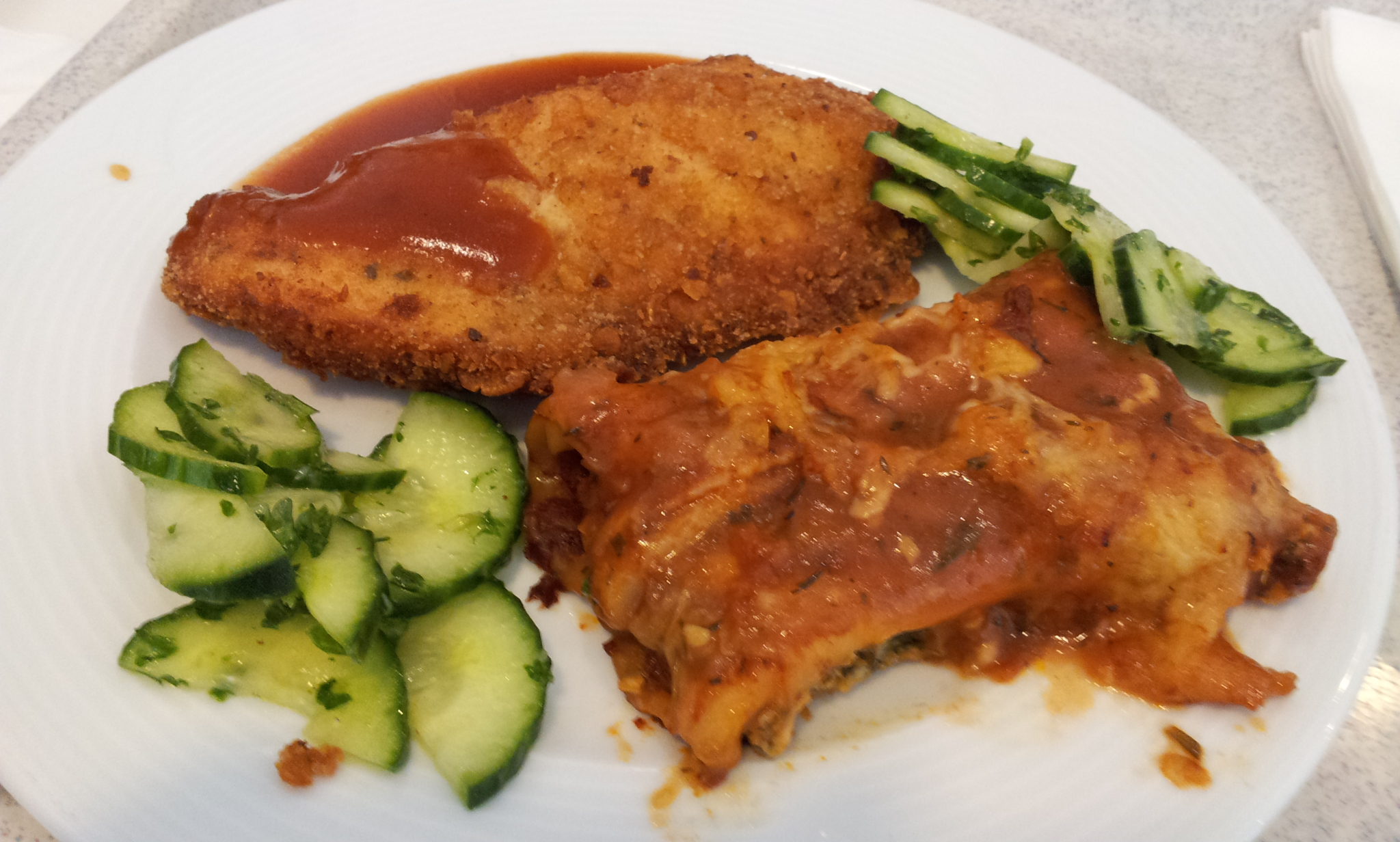 Holz • 2013-12-17 • Haehnchenschnitzel und Cannelloni