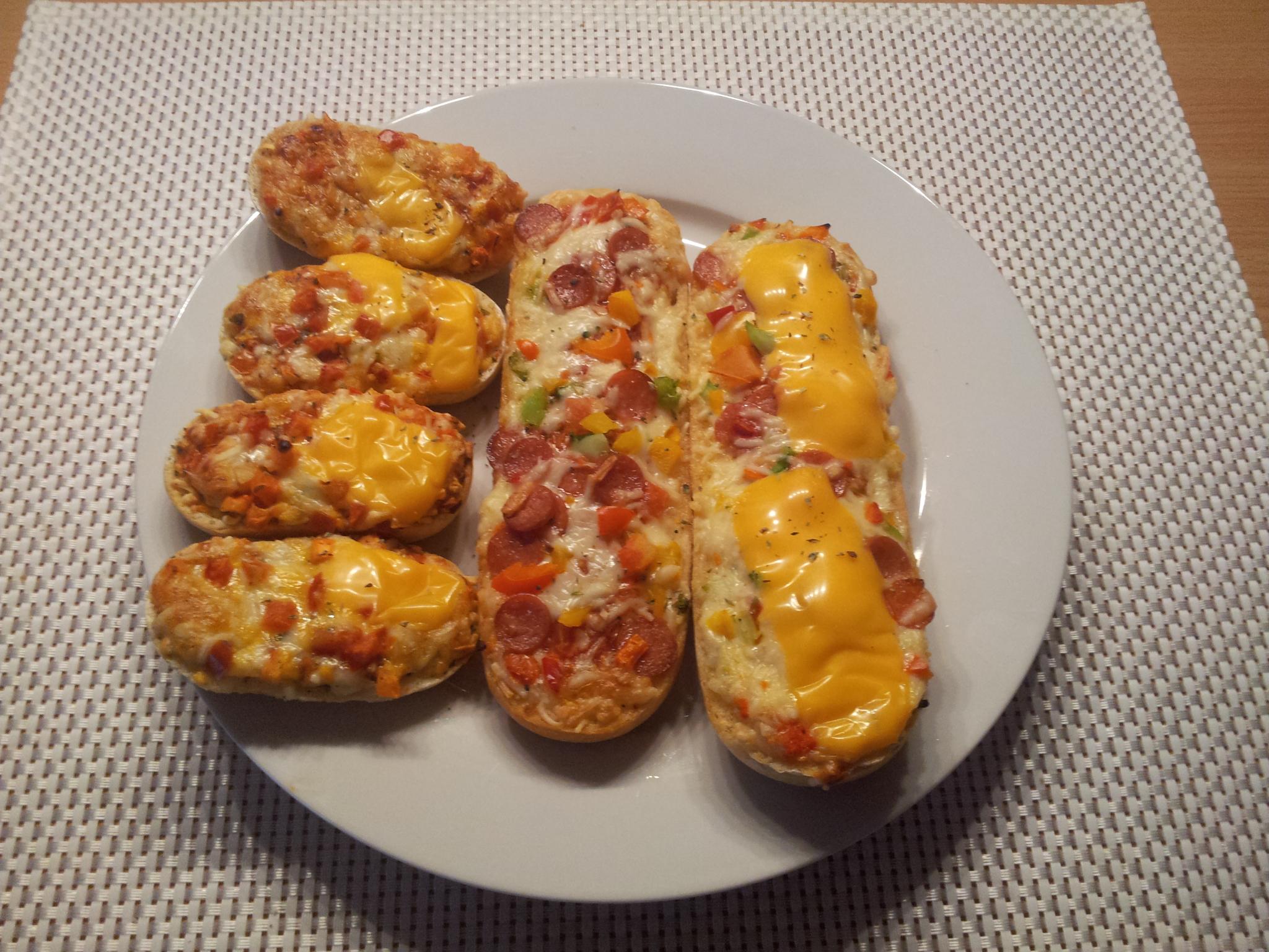 http://foodloader.net/Holz_2014-09-15_Bistro-Baguettes_und_Mini-Bistro-Baguette.jpg