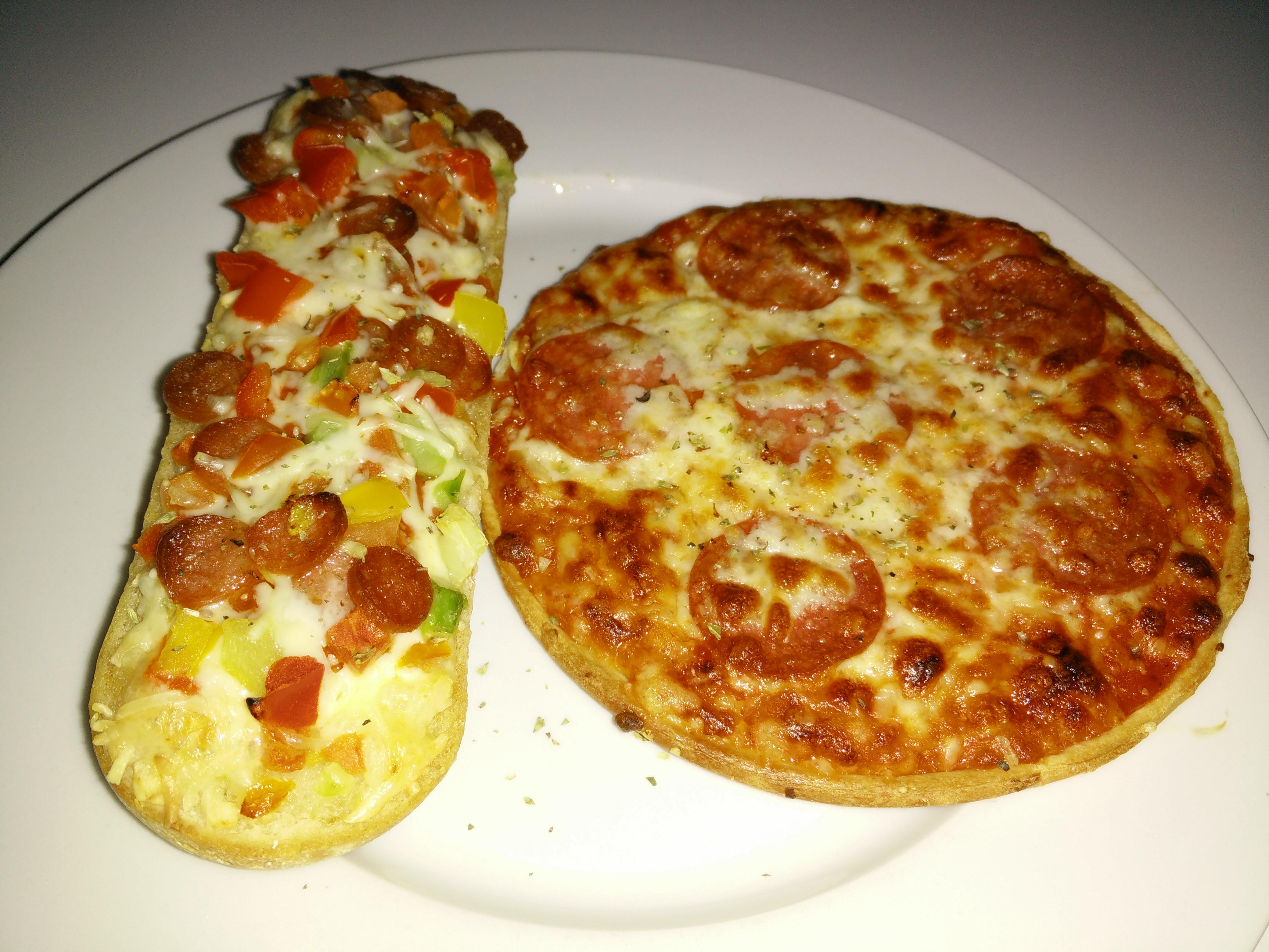 https://foodloader.net/Holz_2015-06-17_Bistro-Baguette_und_Pizza.jpg