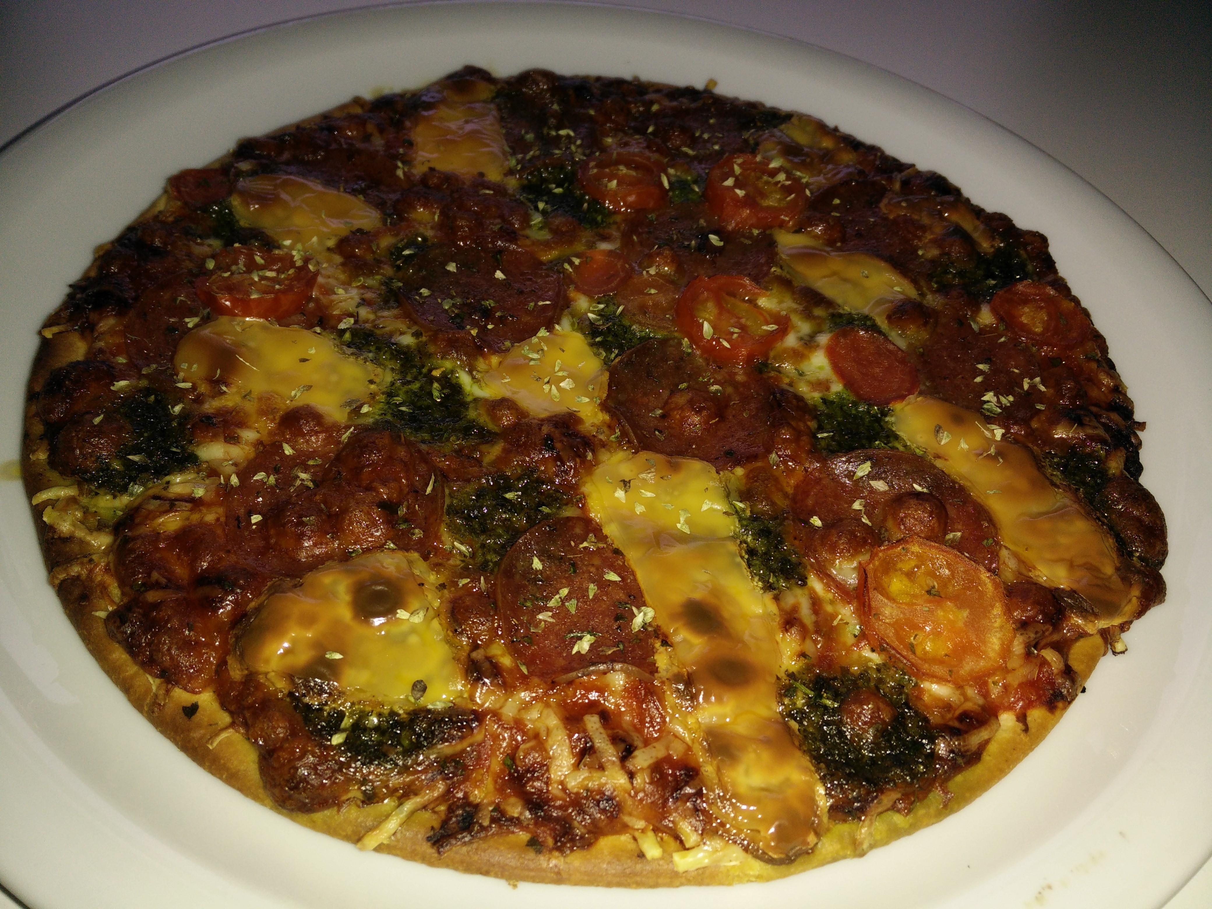 https://foodloader.net/Holz_2016-05-23_Pizza.jpg