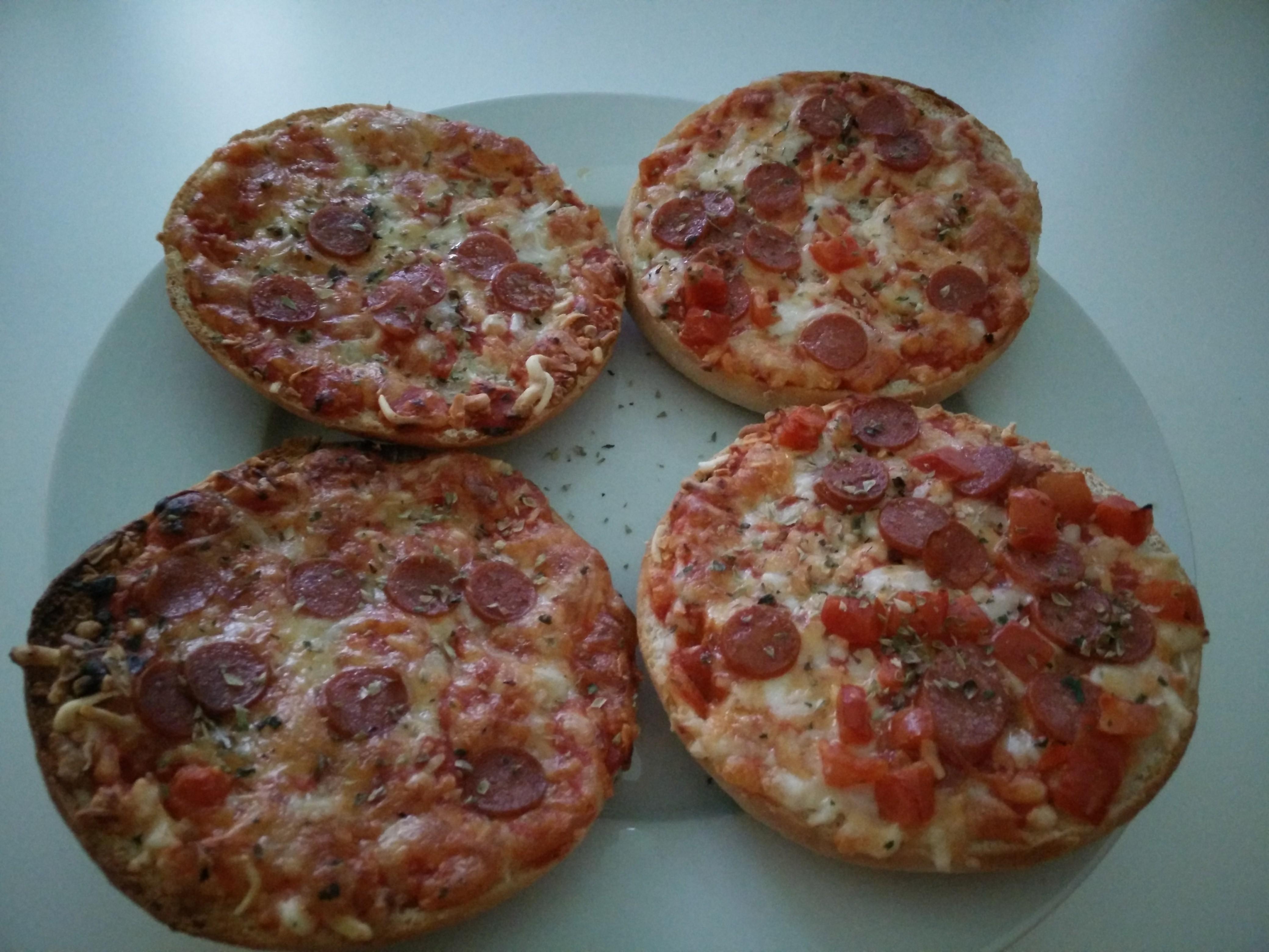 https://foodloader.net/Holz_2016-08-22_Pizzaburger.jpg