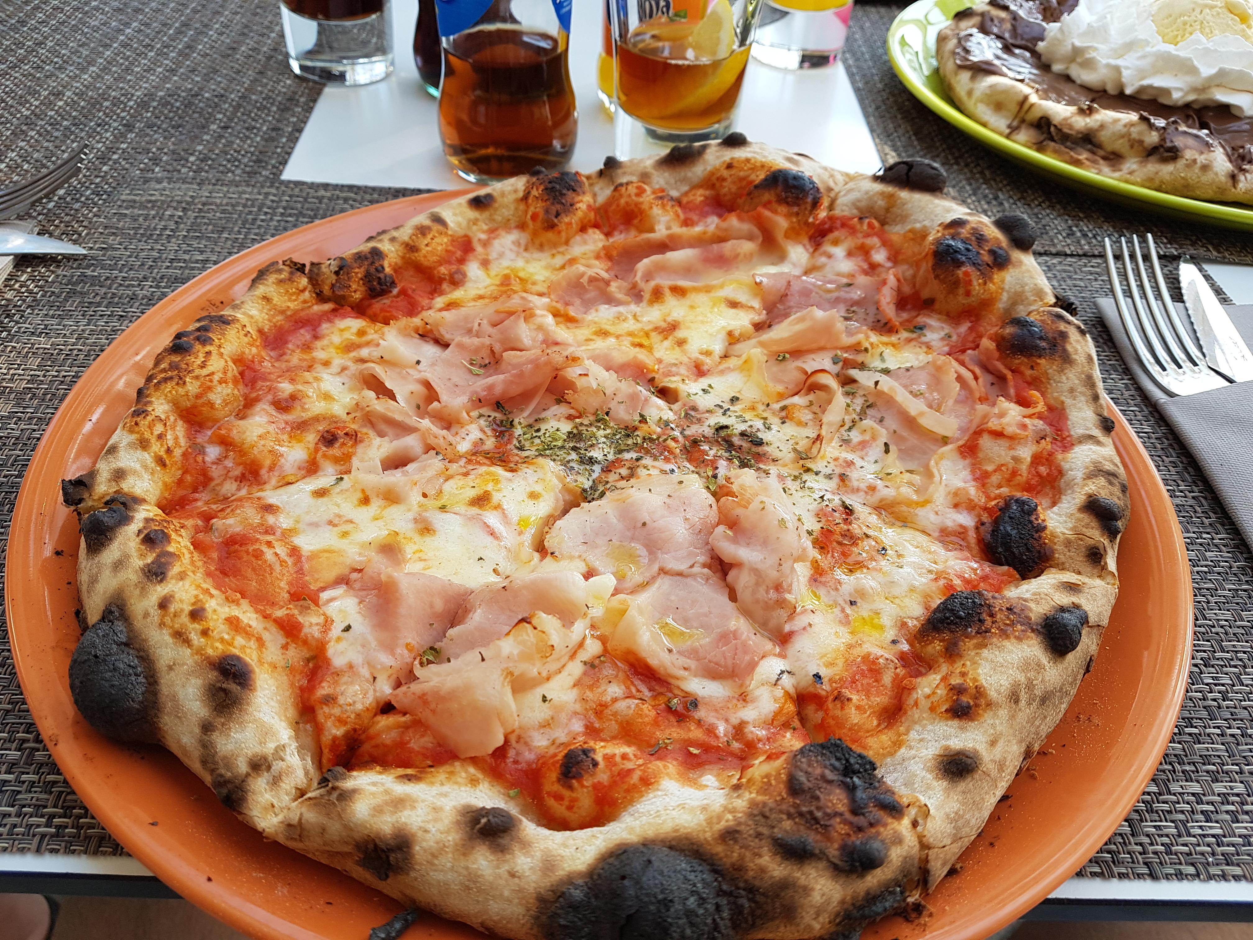 http://foodloader.net/Holz_2017-04-24_Schinkenpizza.jpg