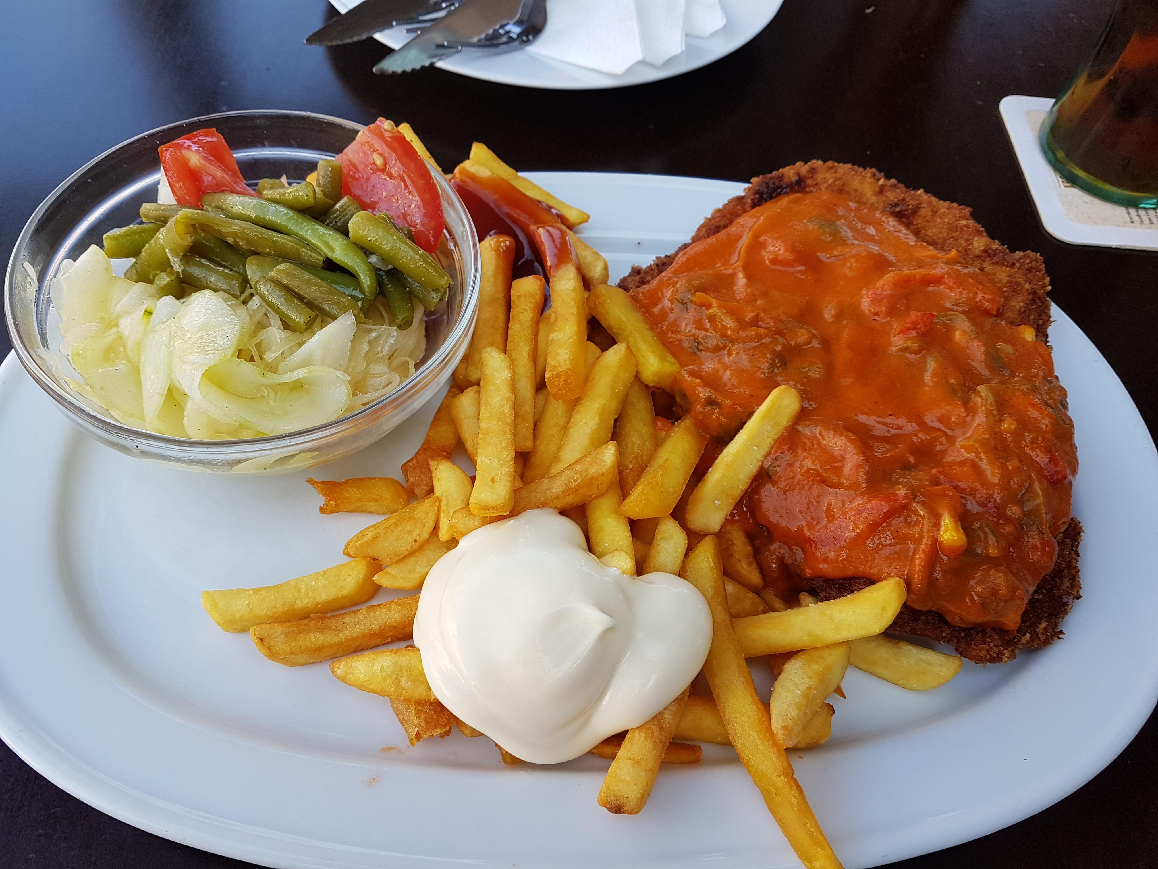http://foodloader.net/Holz_2017-07-15_Paprikarahmschnitzel.jpg