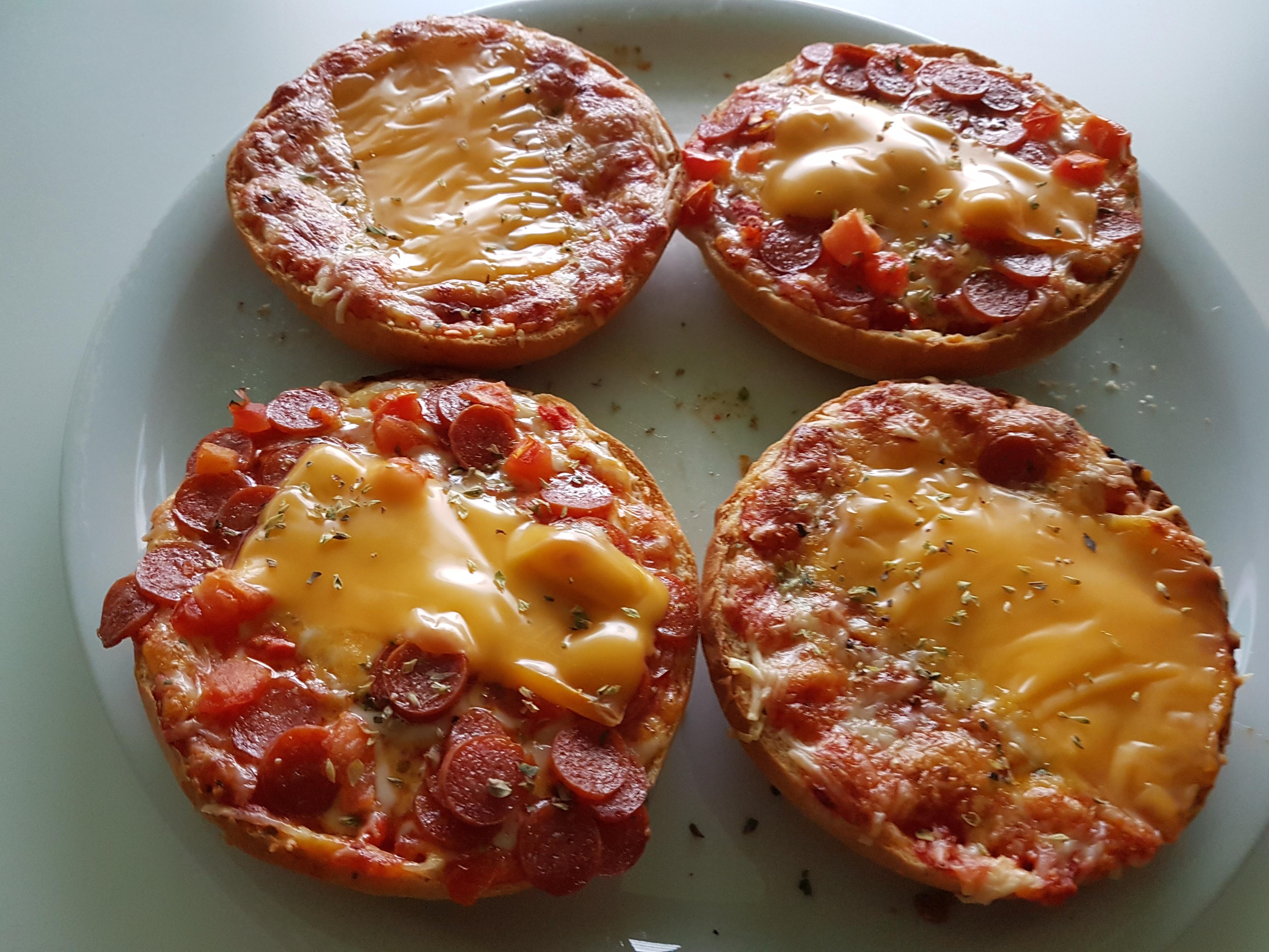 http://foodloader.net/Holz_2017-08-08_Pizzaburger.jpg