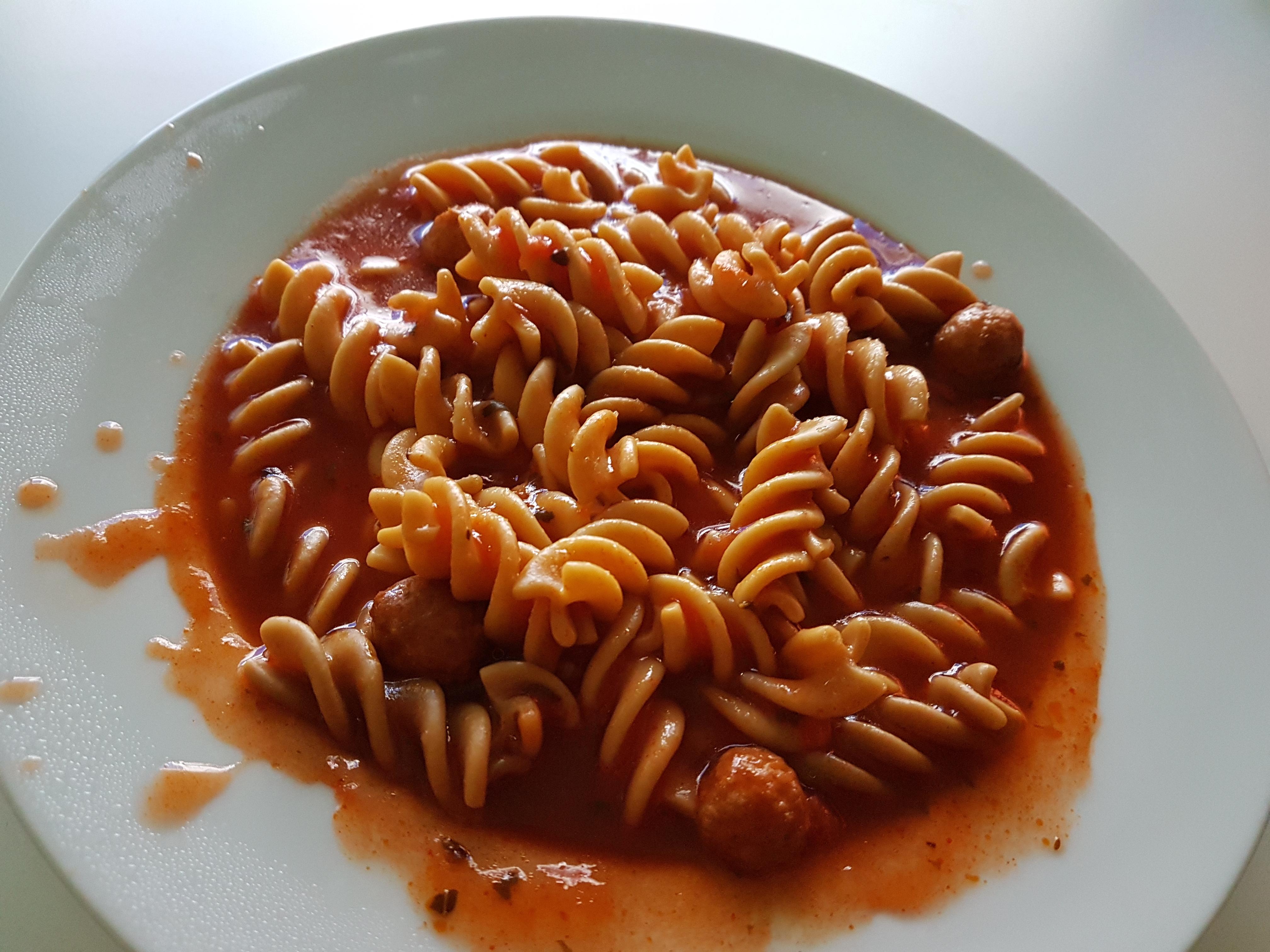 http://foodloader.net/Holz_2017-08-23_Nudeln.jpg