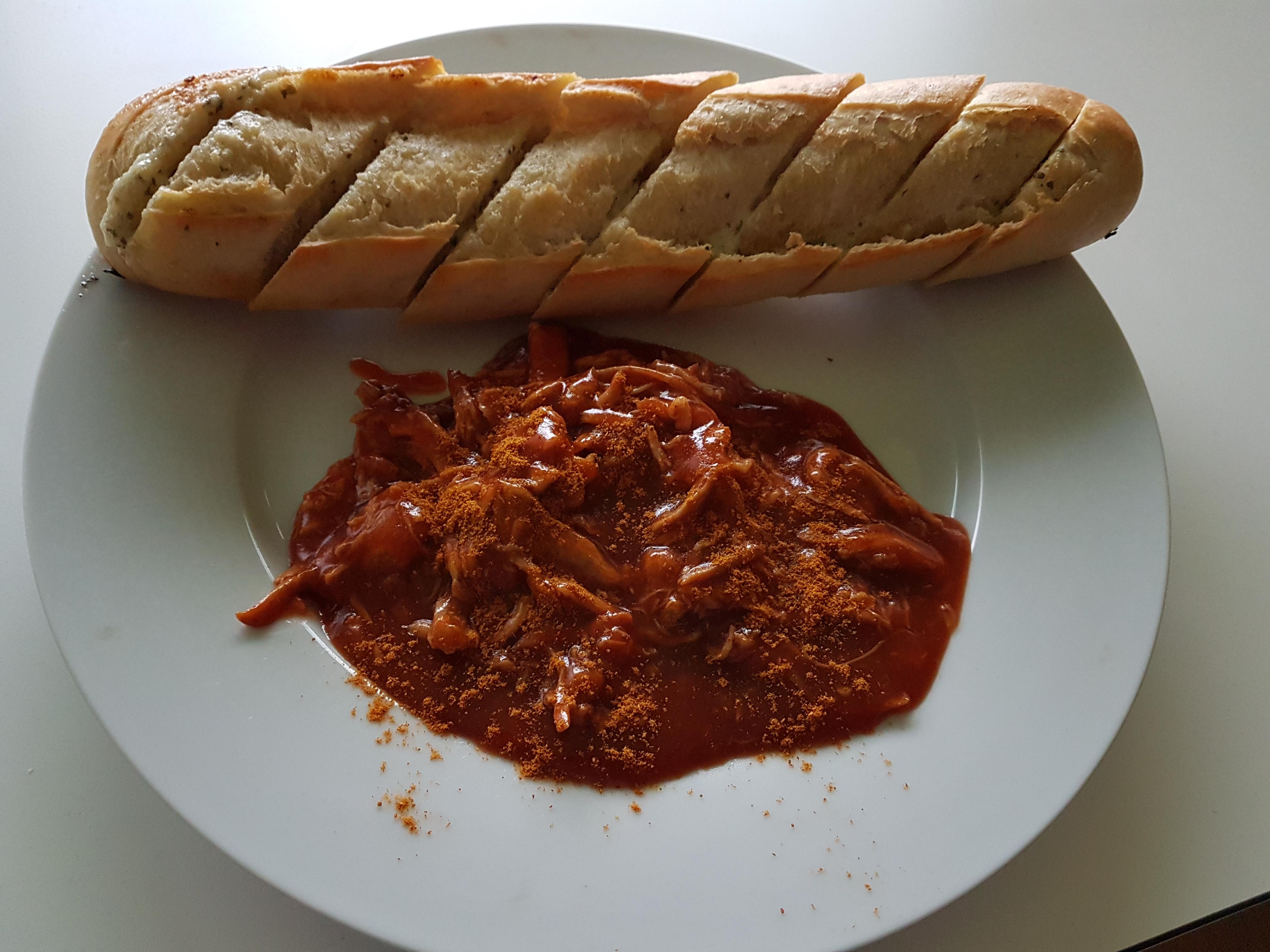 http://foodloader.net/Holz_2017-09-27_Pulled_Pork_und_Knoblauchbaguette.jpg