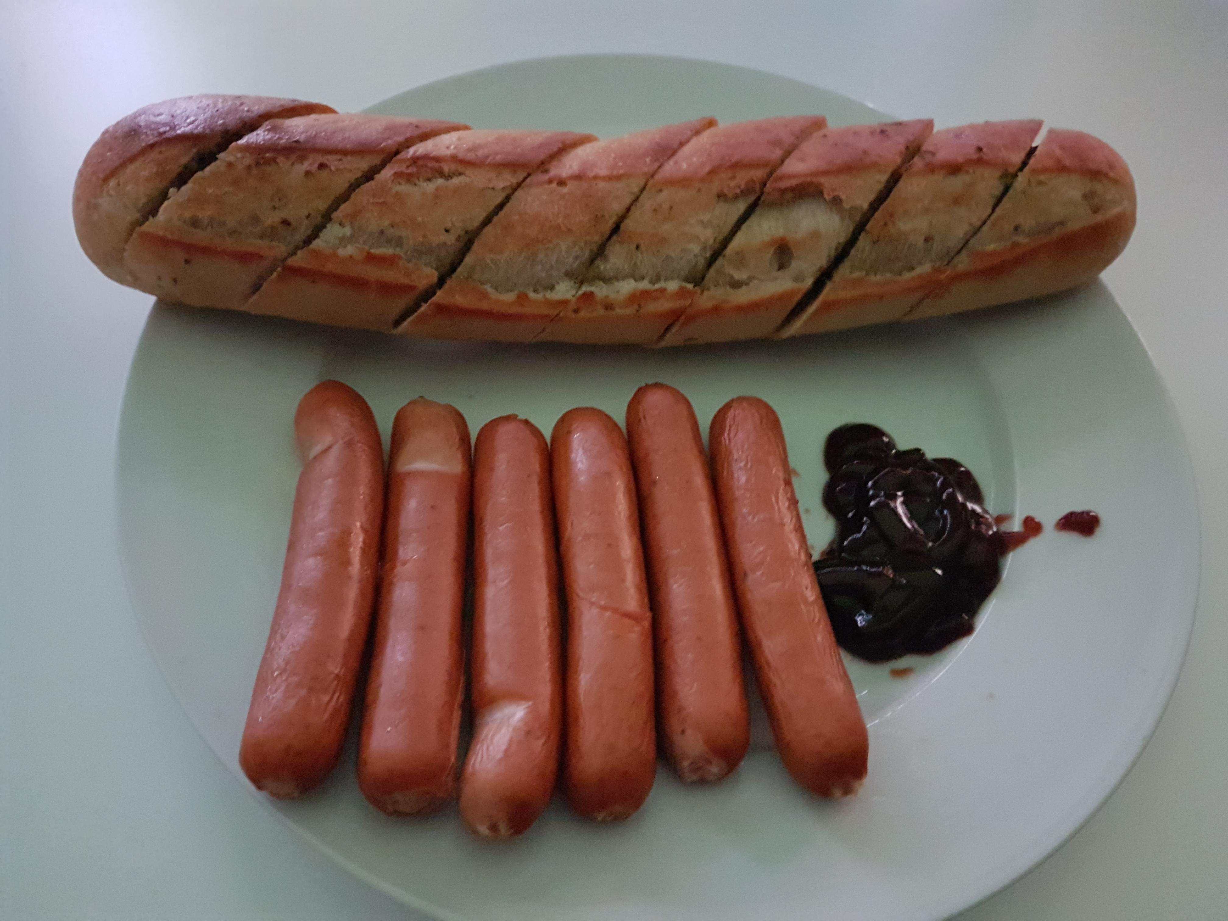 http://foodloader.net/Holz_2017-10-04_Mini-Kaesekrainer_mit_Kraeuterbaguette.jpg