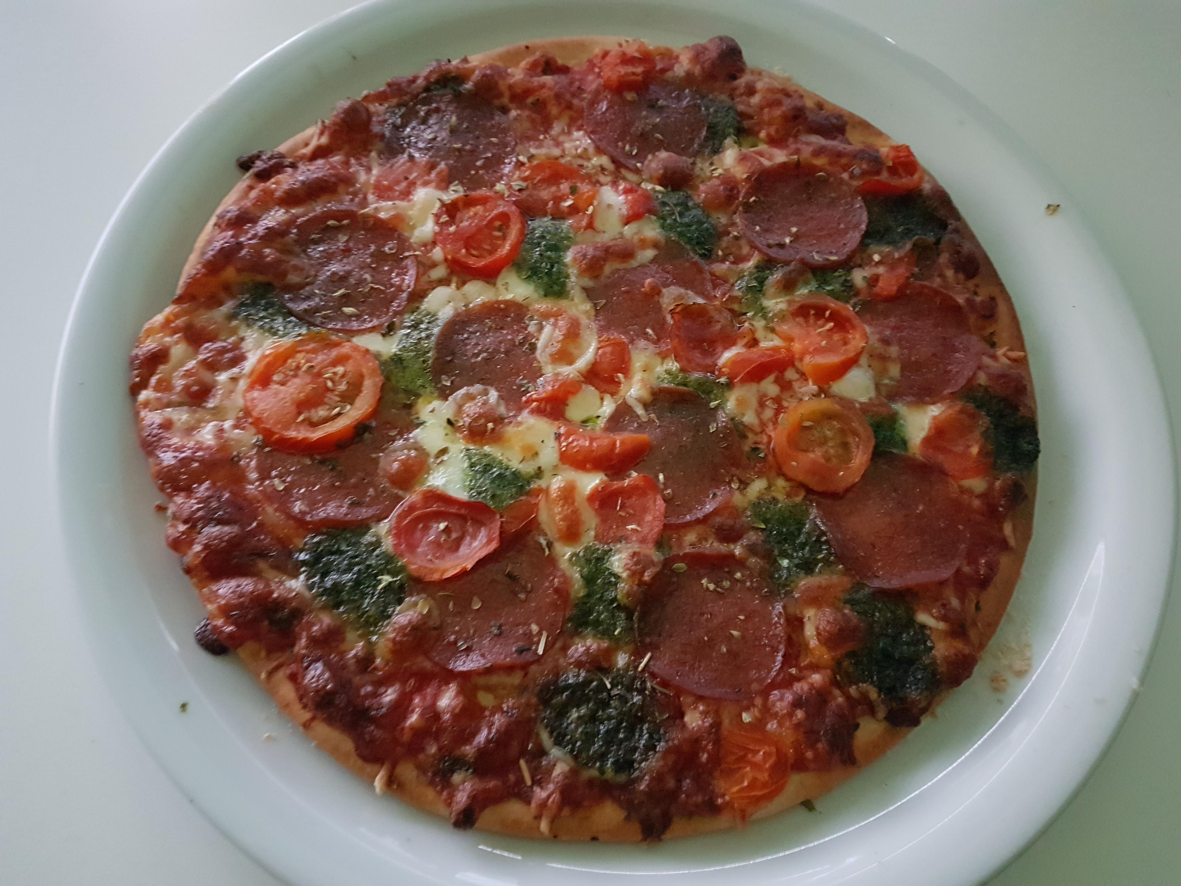 https://foodloader.net/Holz_2017-11-02_Pizza.jpg