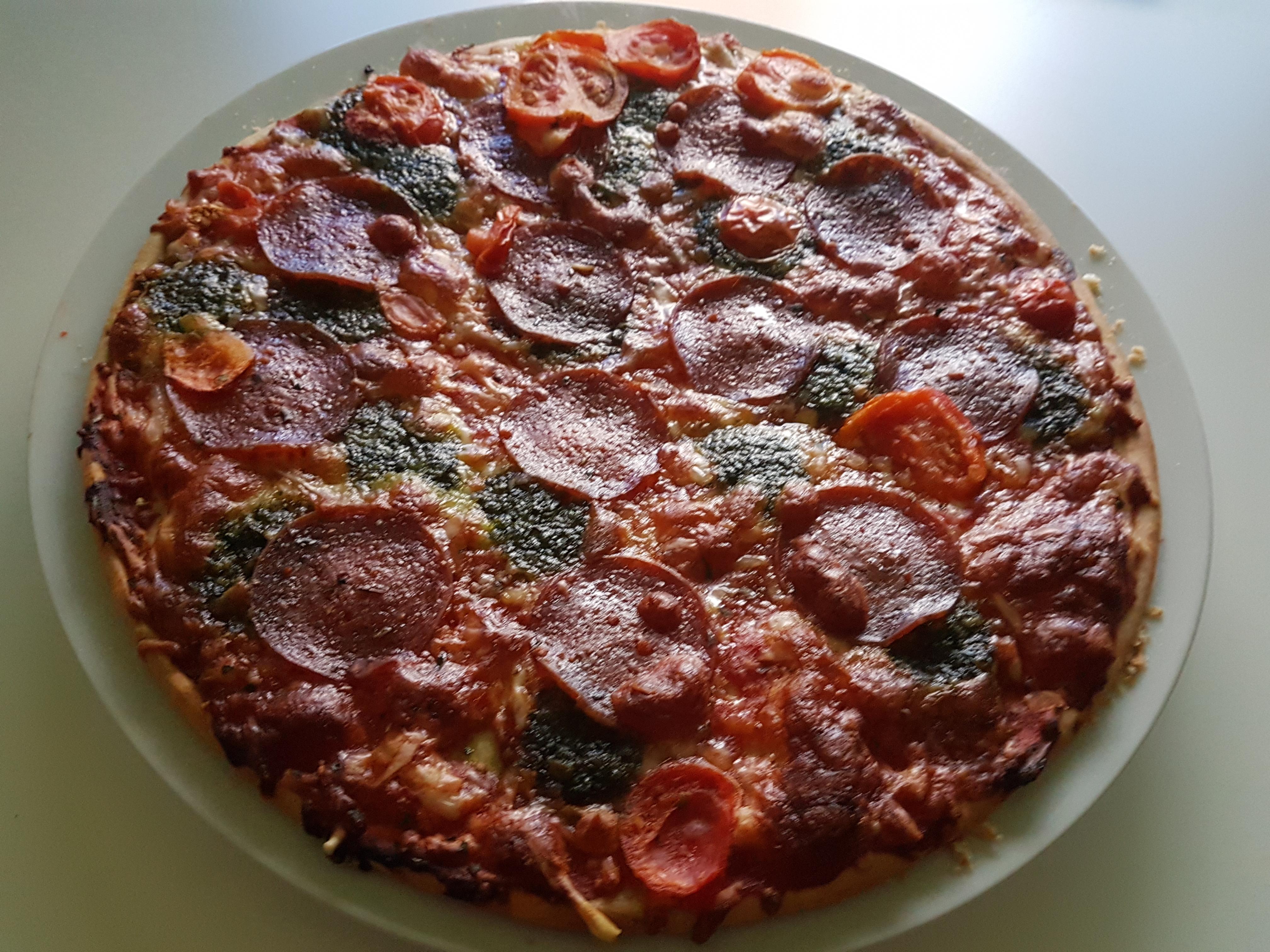 https://foodloader.net/Holz_2017-11-15_Pizza.jpg