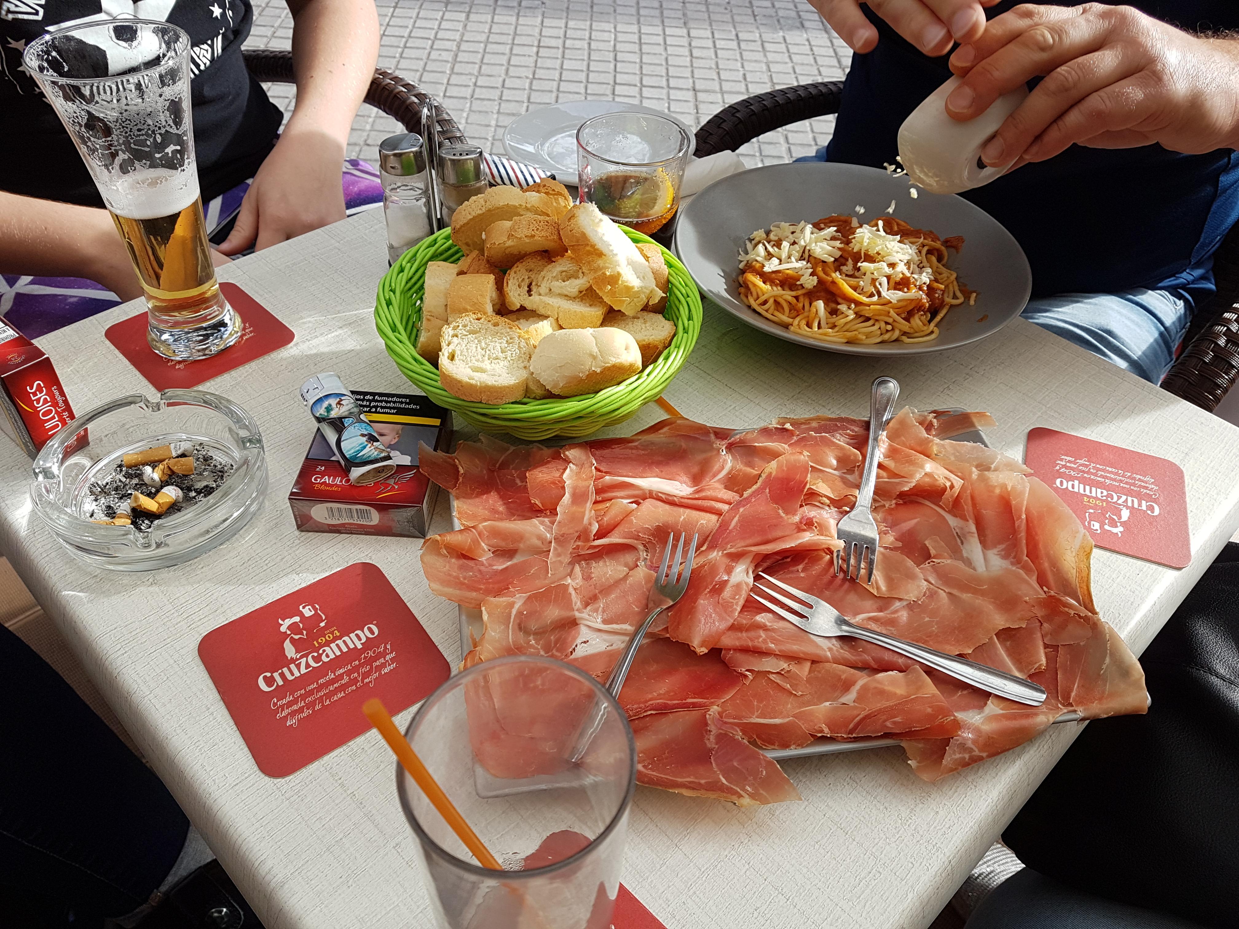 http://foodloader.net/Holz_2017-11-25_Schinkenplatte.jpg