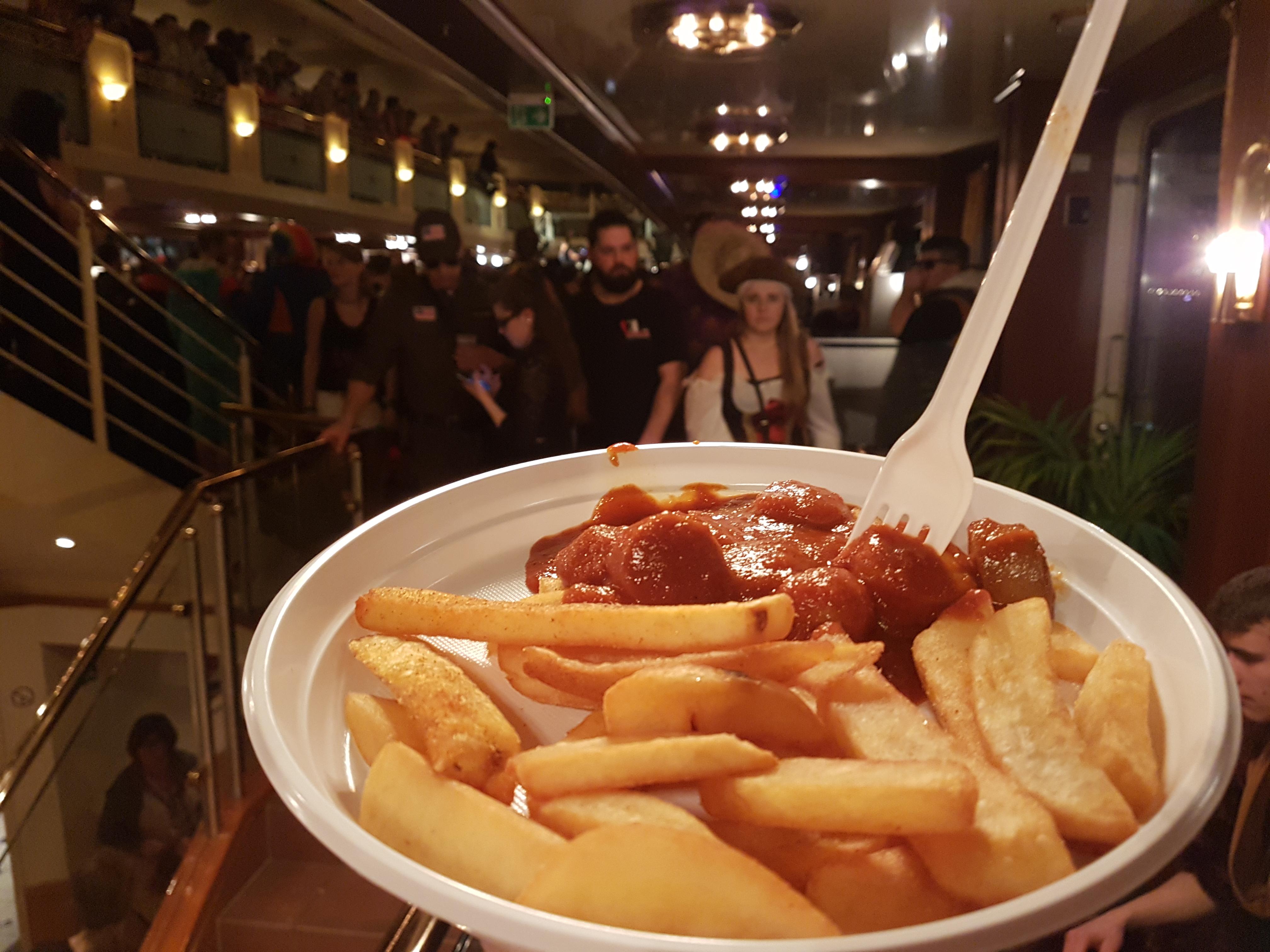 http://foodloader.net/Holz_2018-02-09_Currywurst_mit_Pommes.jpg