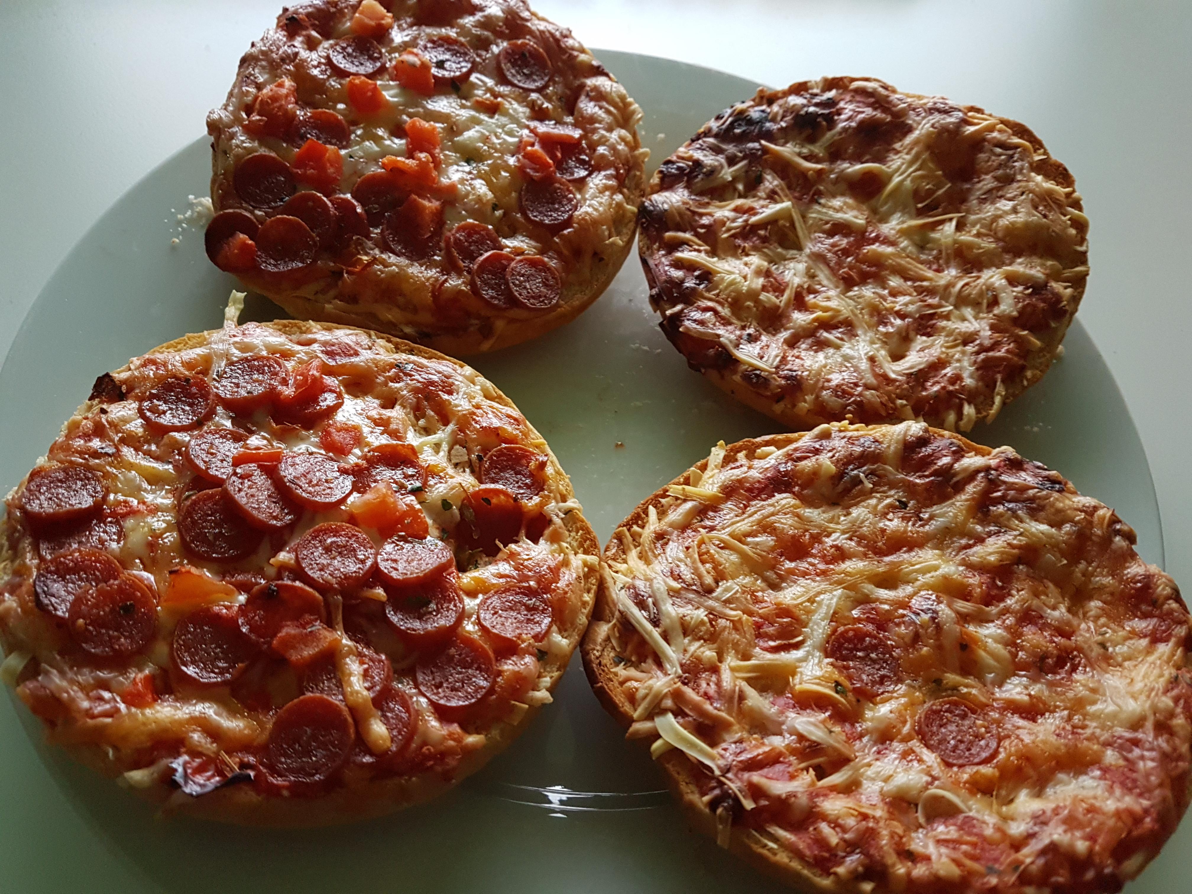 http://foodloader.net/Holz_2018-02-14_Pizzaburger.jpg