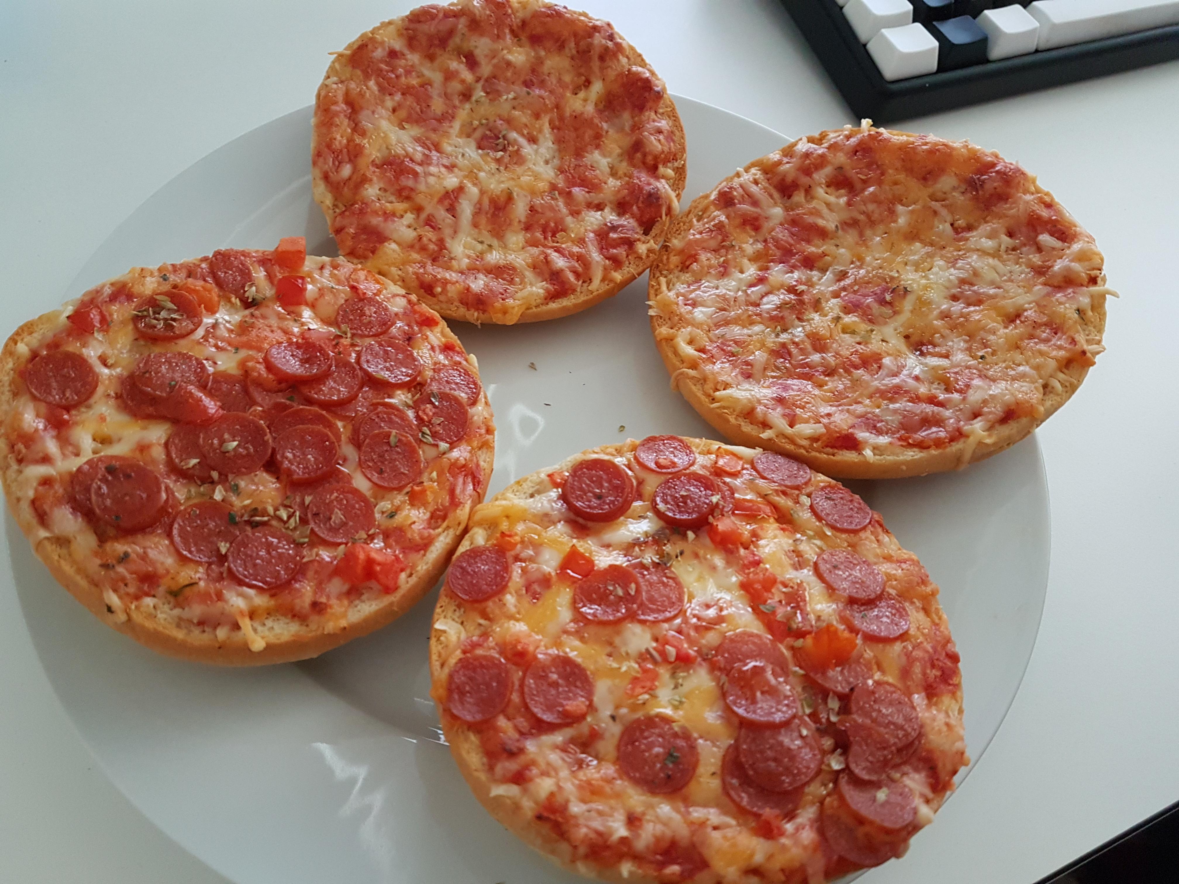 http://foodloader.net/Holz_2018-02-25_Pizzaburger.jpg