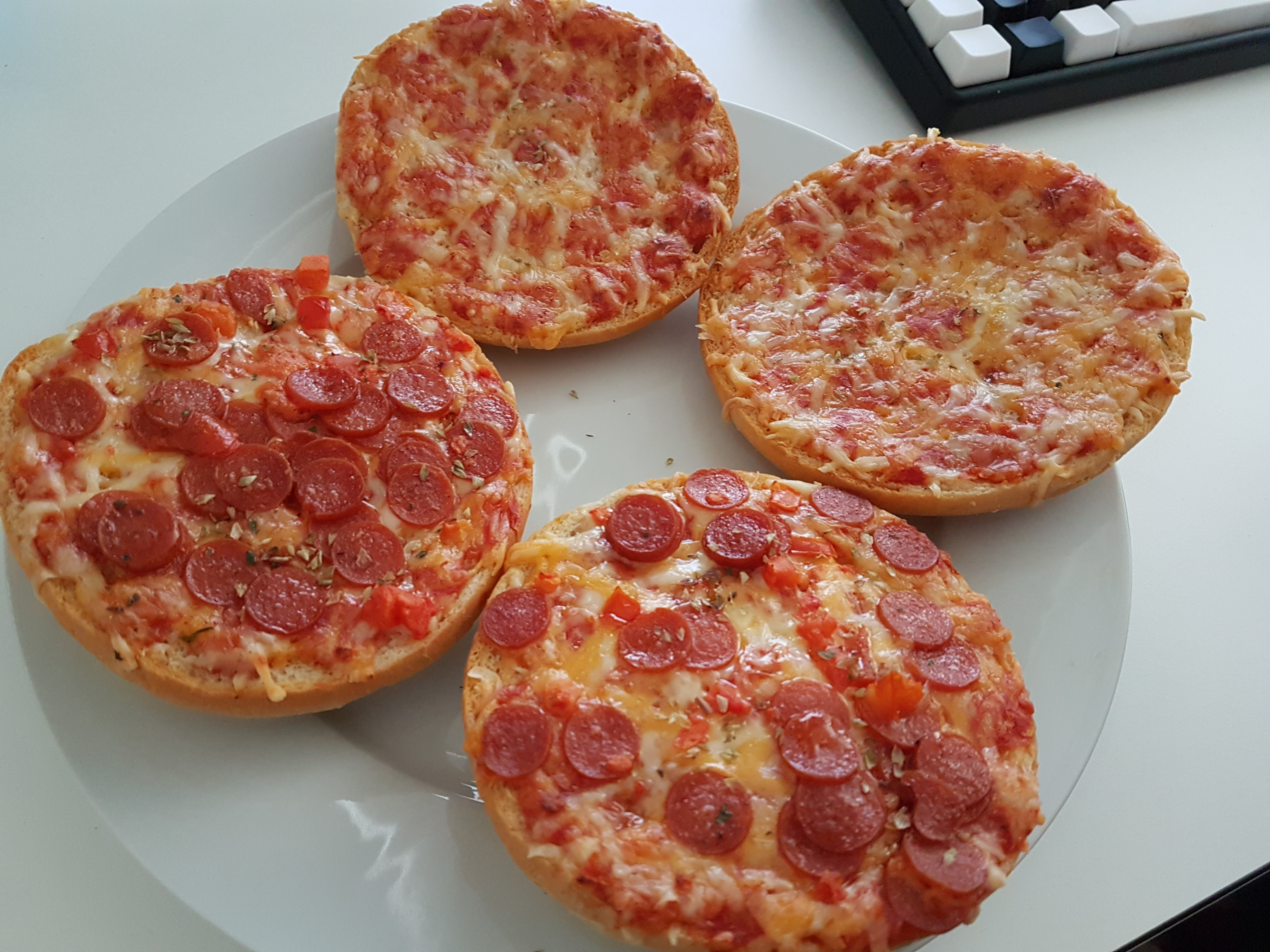 https://foodloader.net/Holz_2018-02-25_Pizzaburger.jpg
