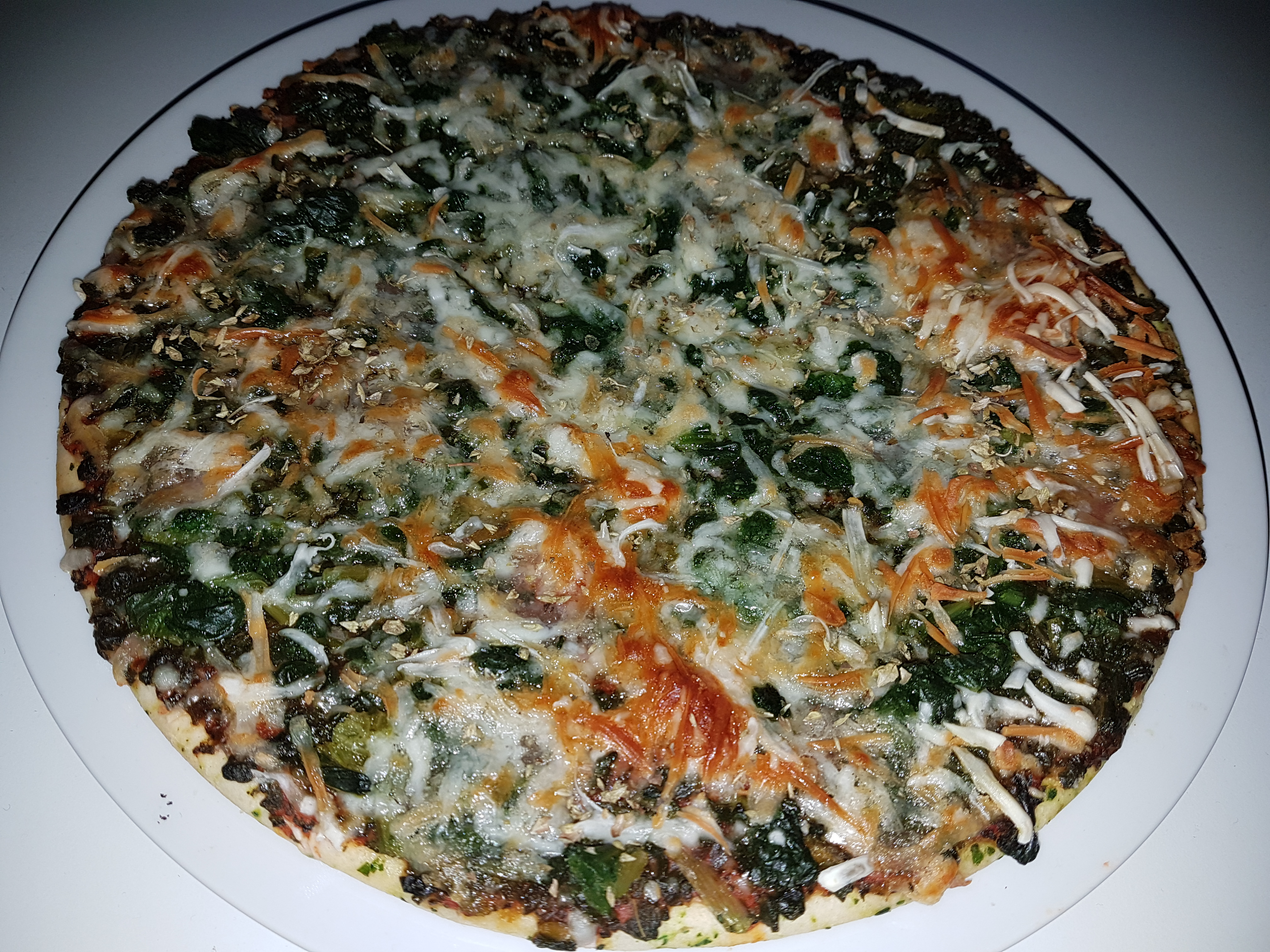 https://foodloader.net/Holz_2018-04-26_Pizza.jpg