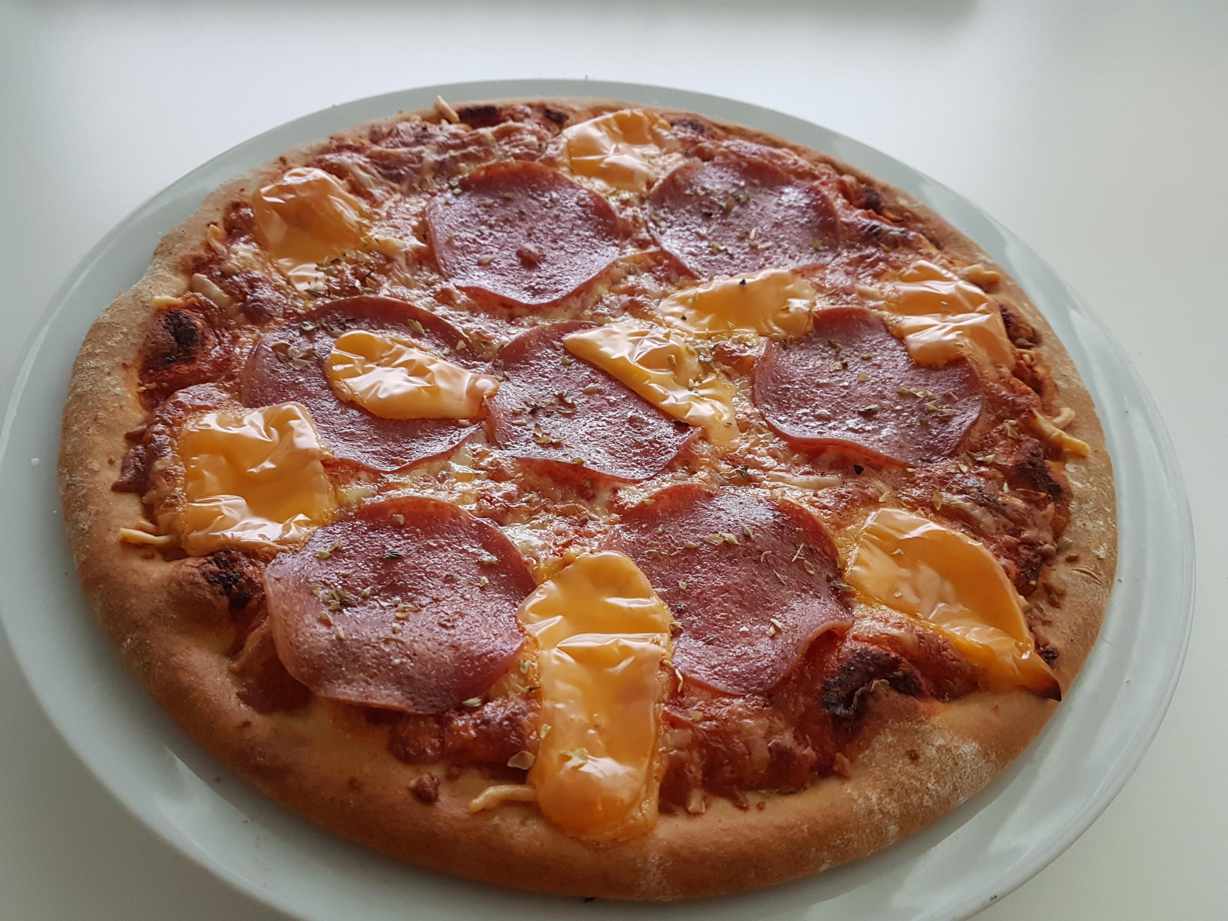 https://foodloader.net/Holz_2018-05-21_Pizza.jpg