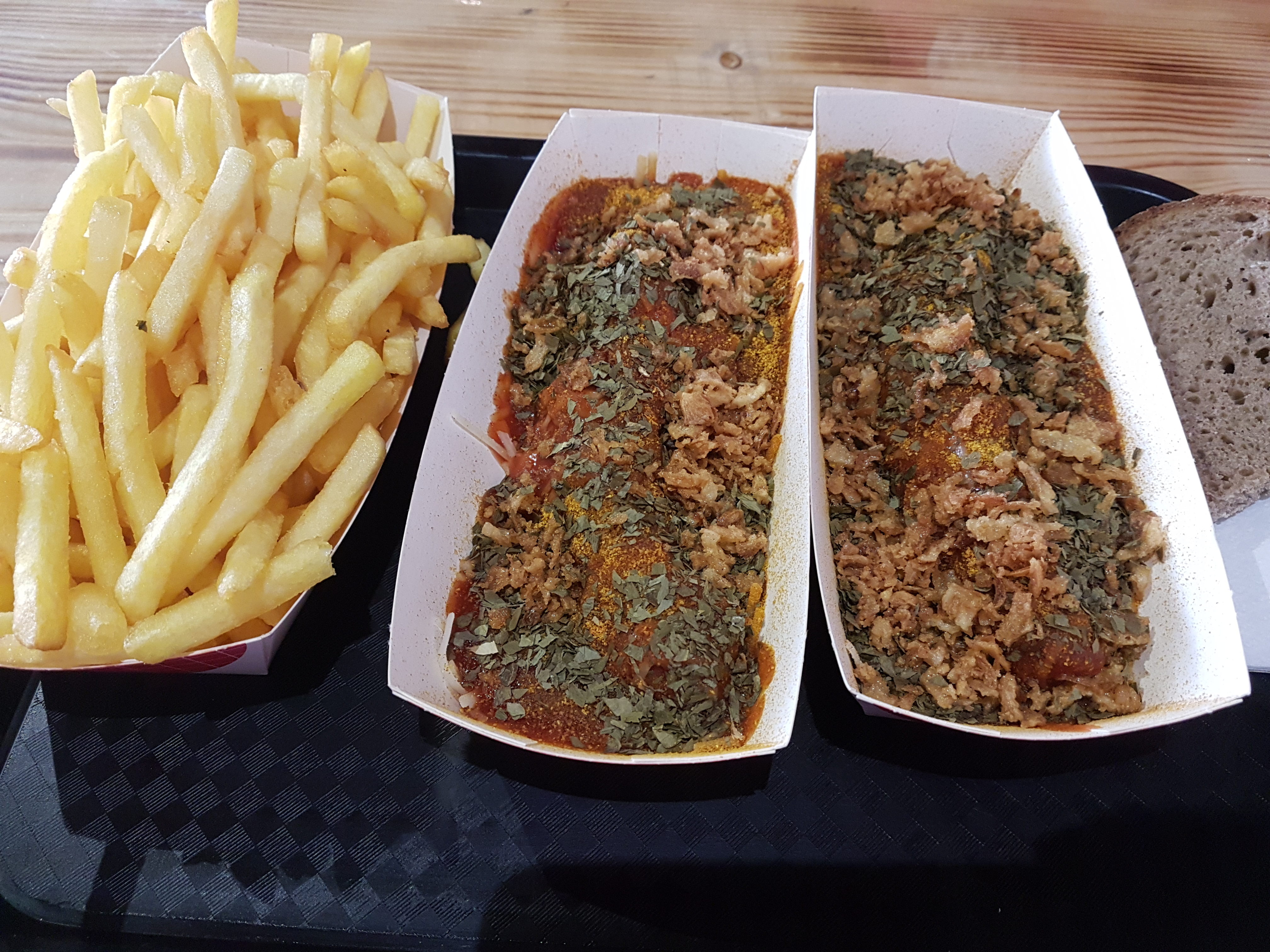 http://foodloader.net/Holz_2018-05-28_DJ_Duese_Wurst.jpg