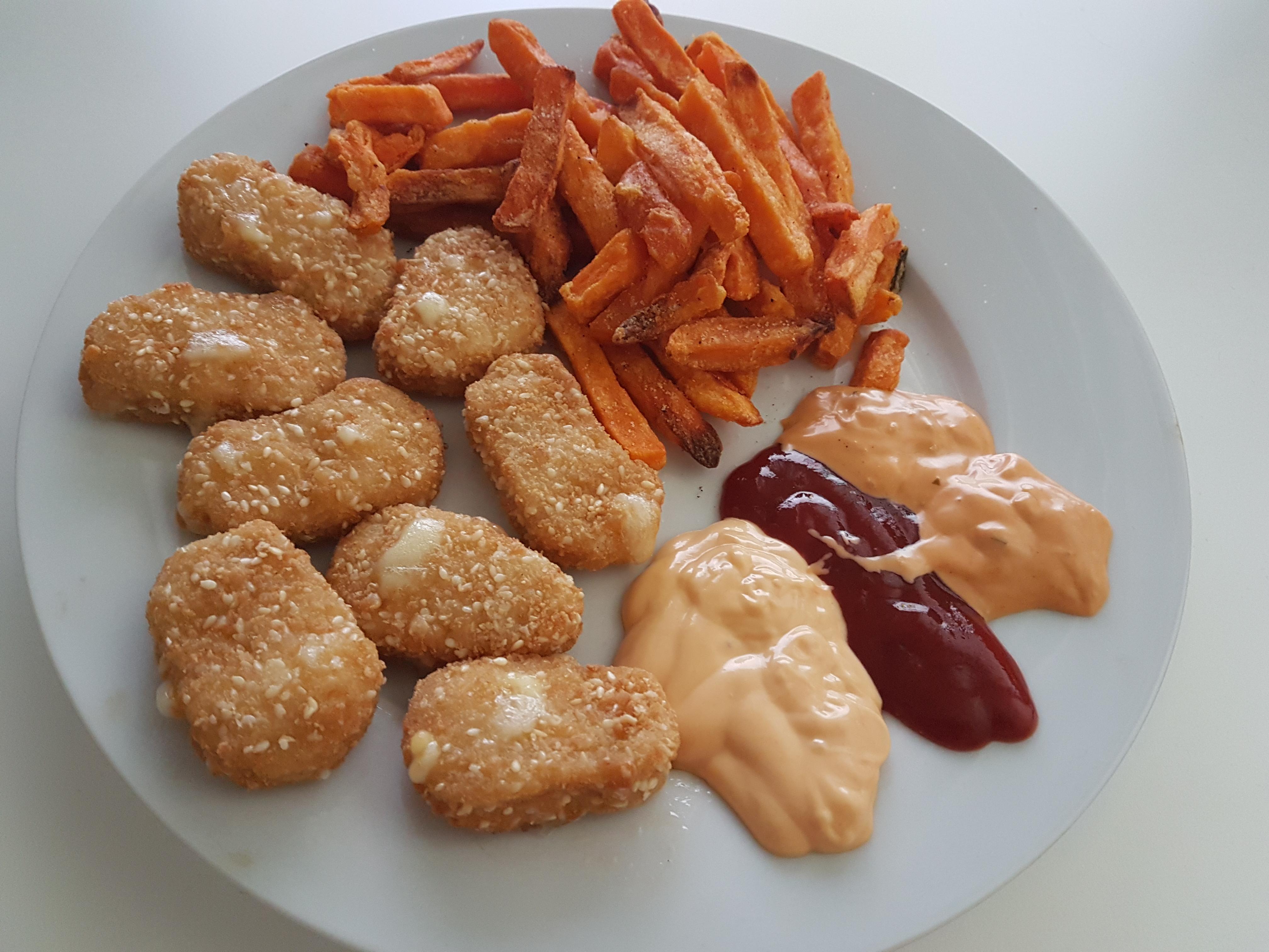 http://foodloader.net/Holz_2018-06-15_Chicken_Cheese_Nuggets_mit_Suesskartoffelpommes.jpg