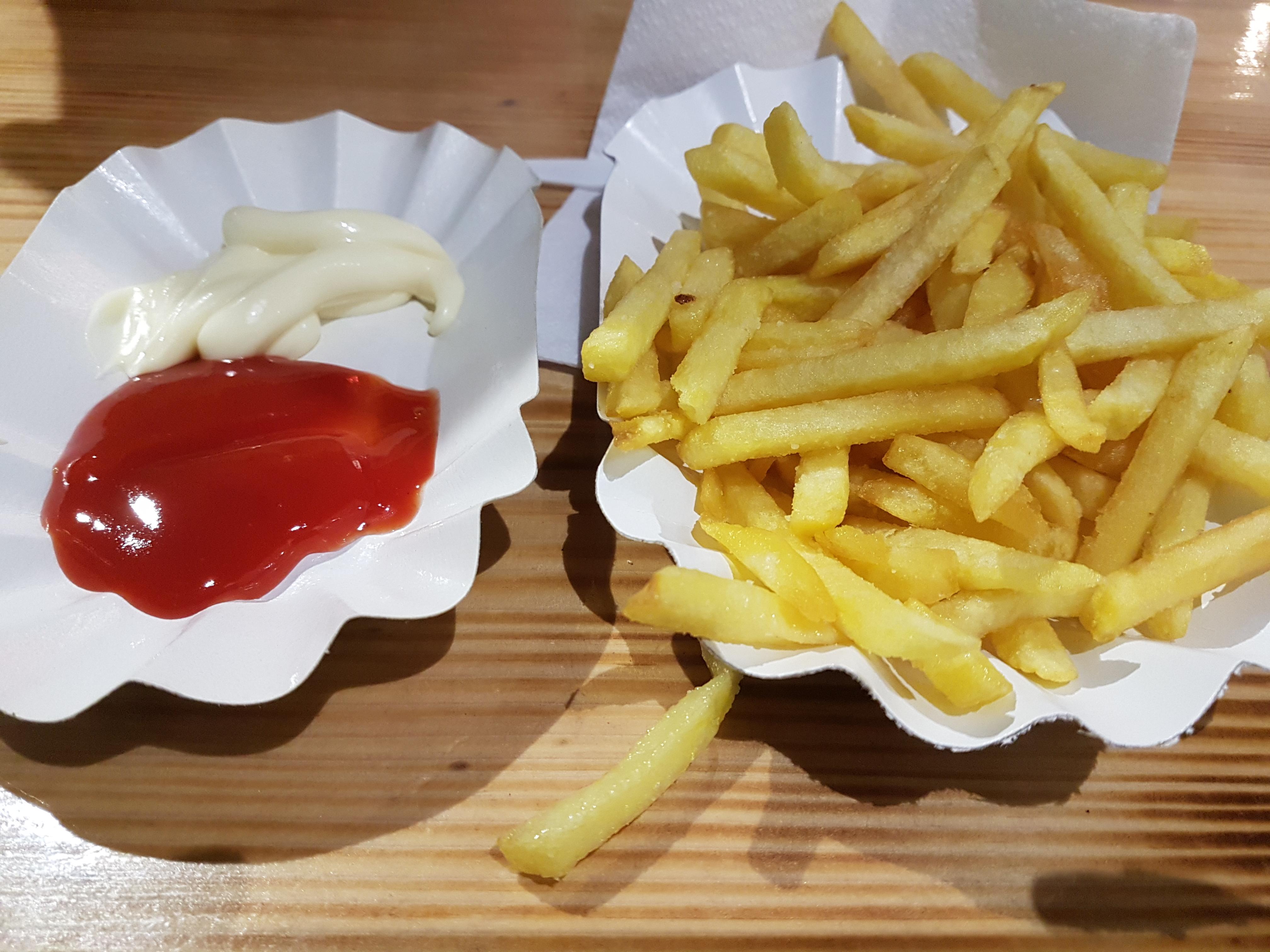 http://foodloader.net/Holz_2018-08-19_Pommes.jpg