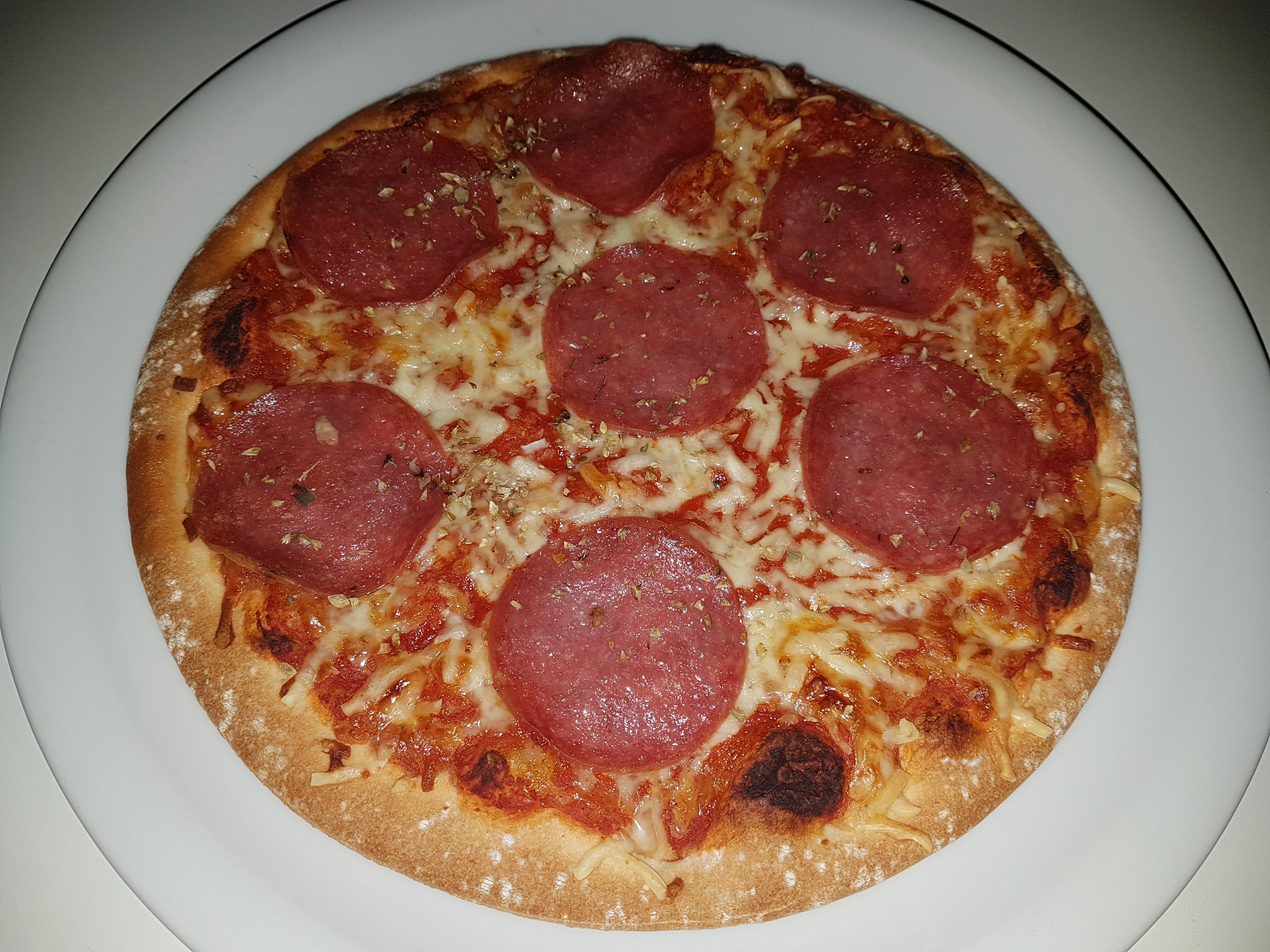 https://foodloader.net/Holz_2018-08-28_Pizza.jpg