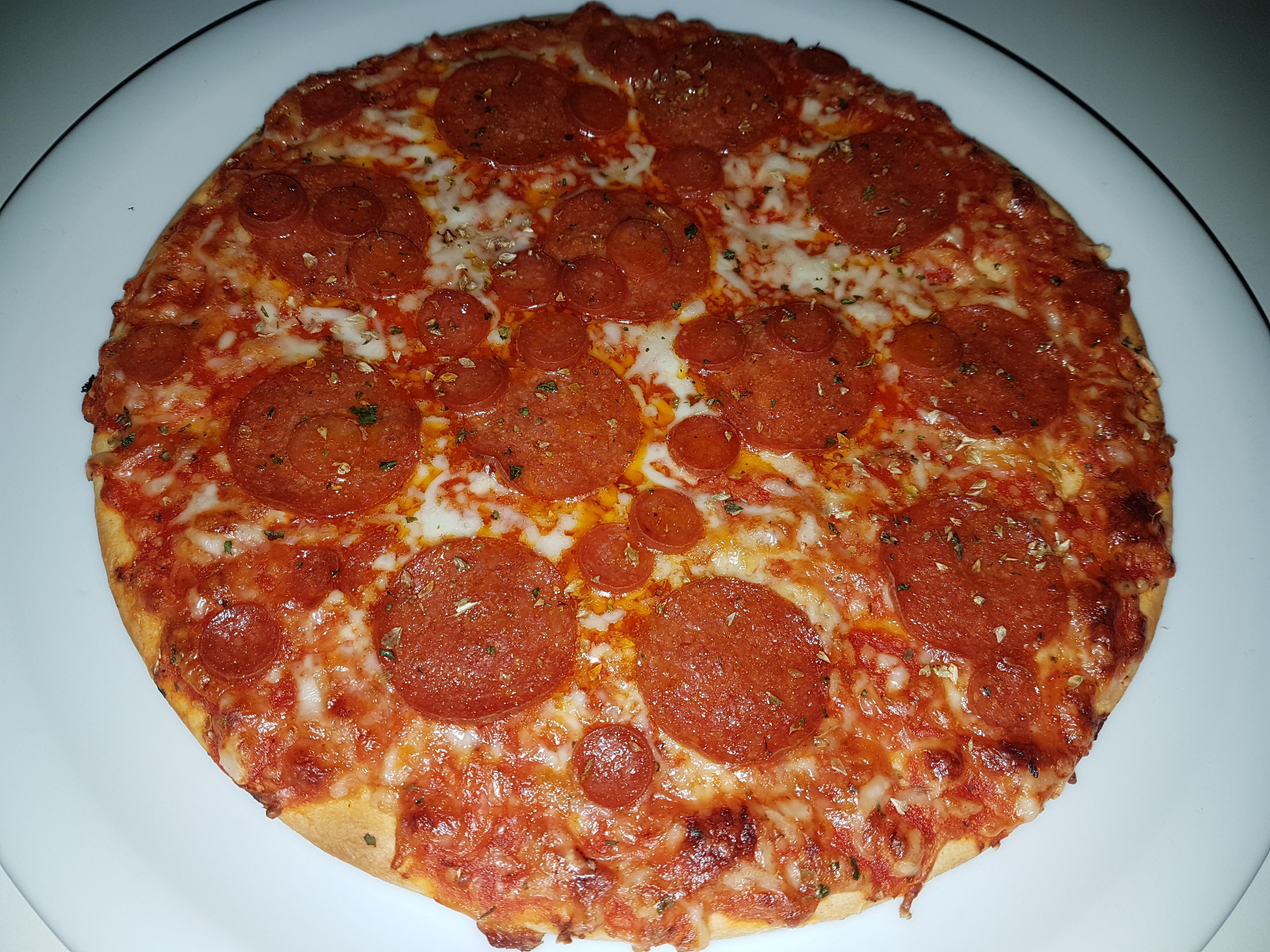 https://foodloader.net/Holz_2018-09-02_Pizza.jpg