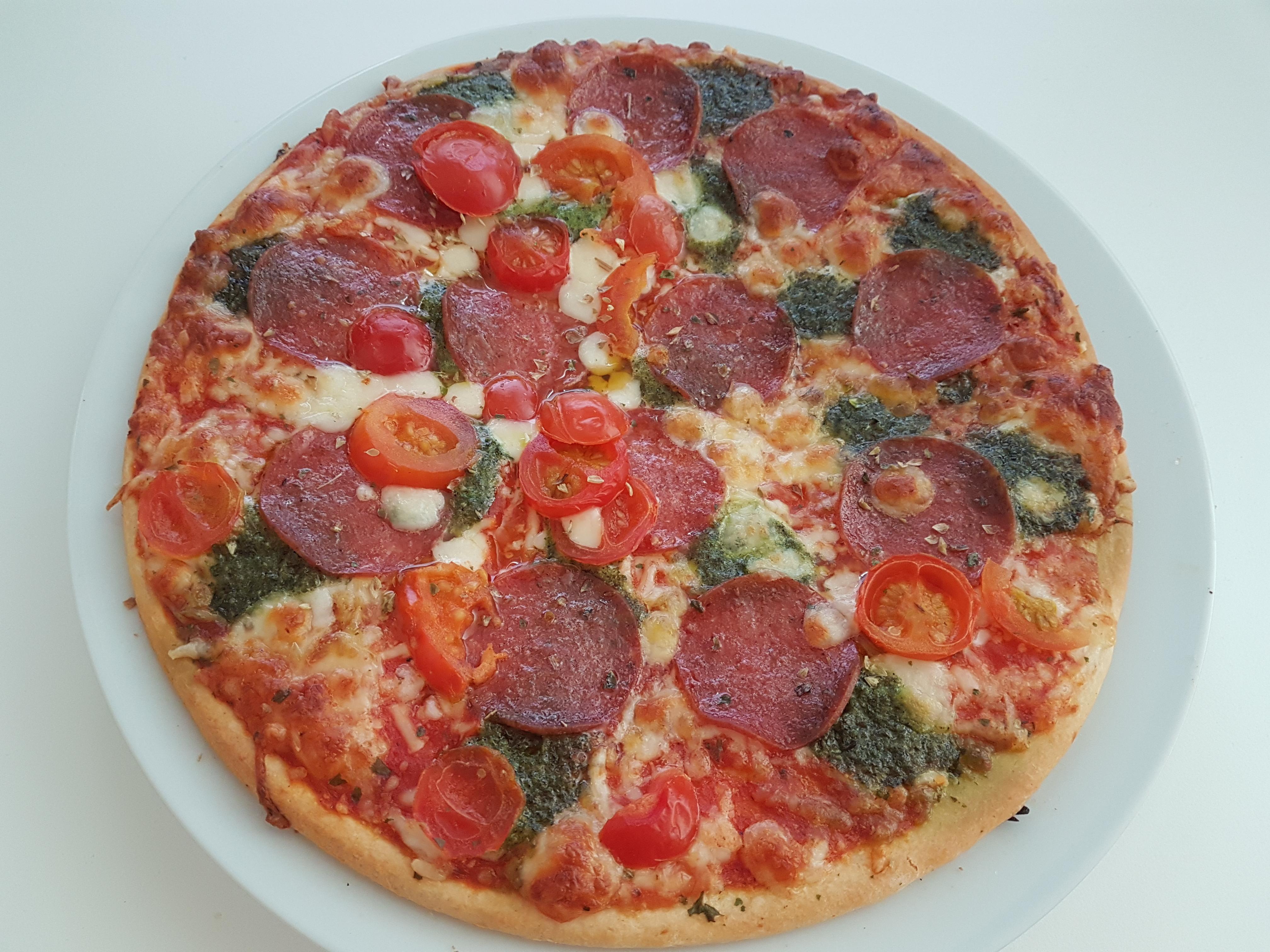 https://foodloader.net/Holz_2018-10-07_Pizza.jpg