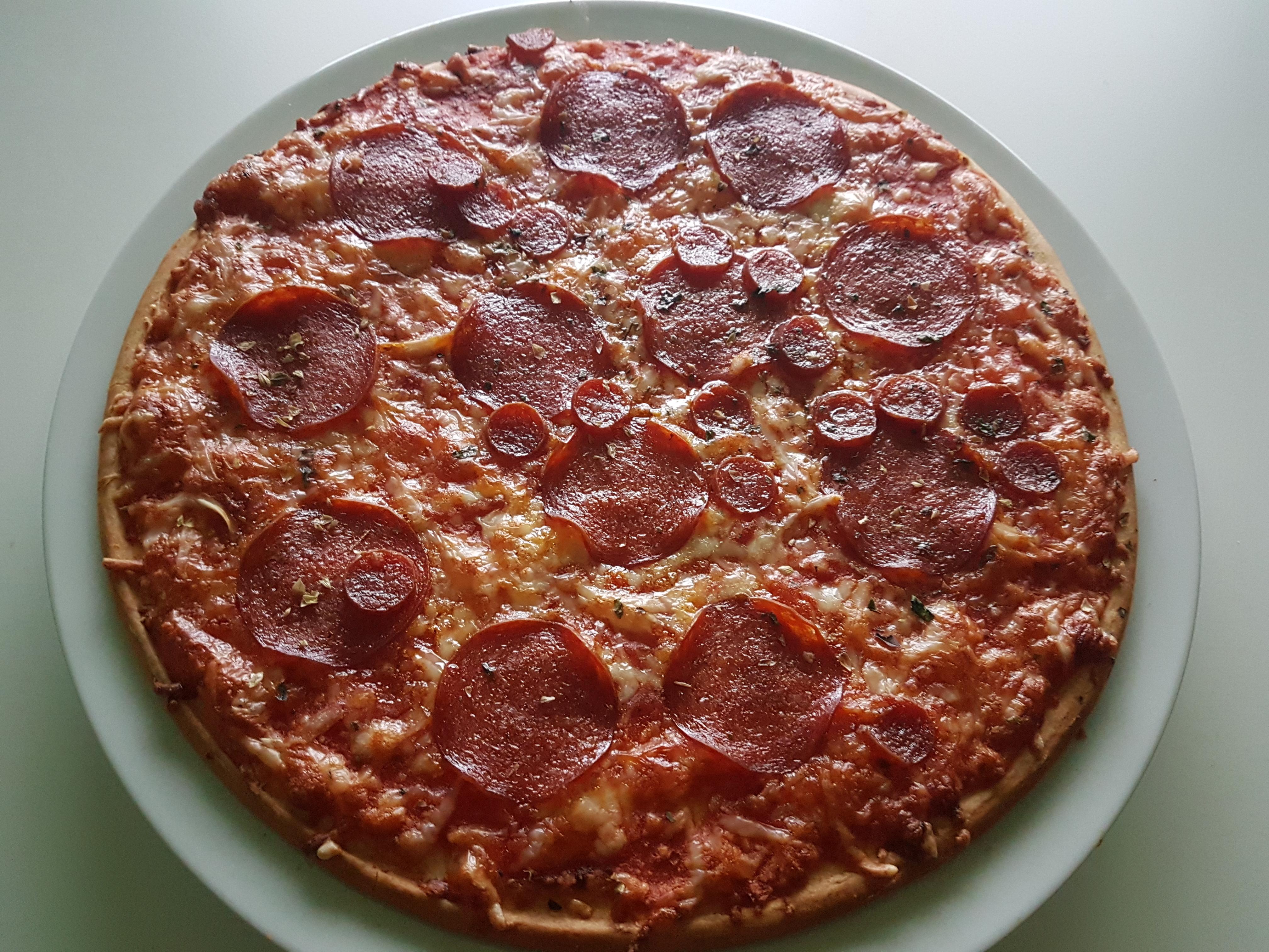 https://foodloader.net/Holz_2018-10-09_Pizza.jpg