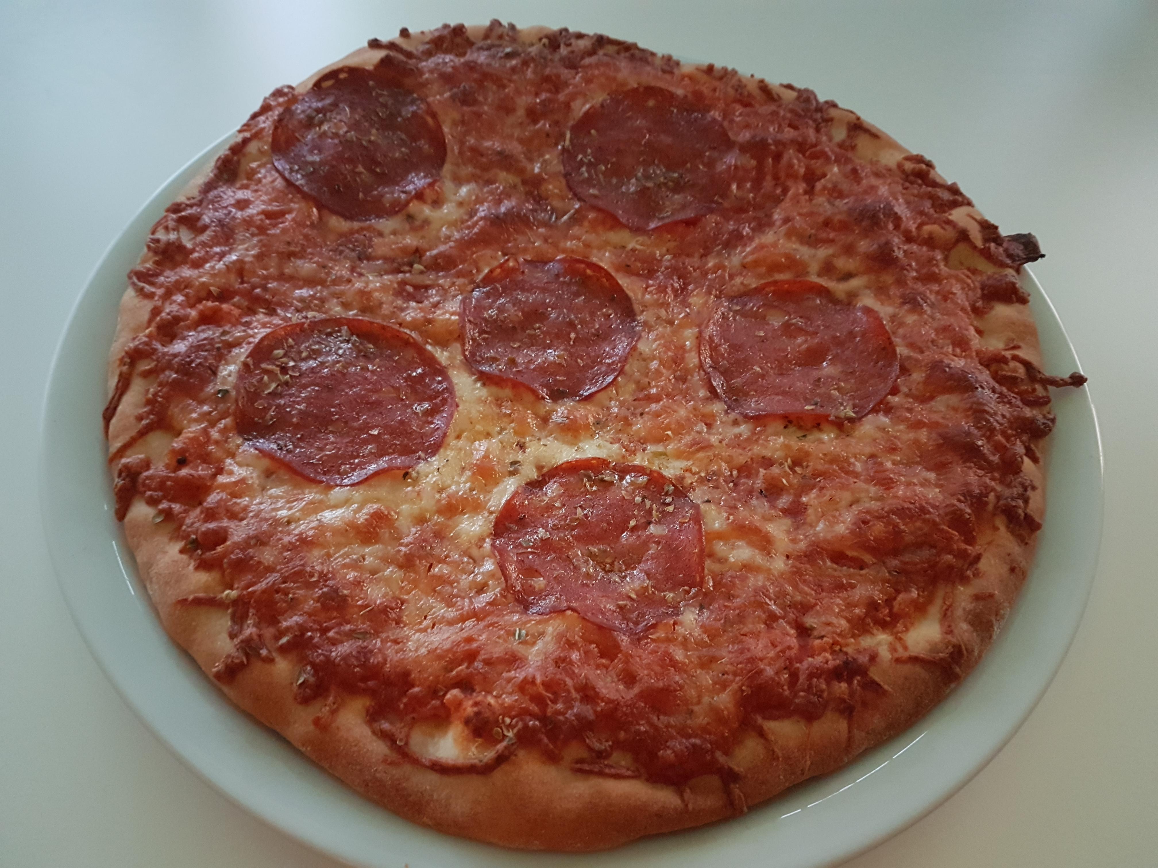 https://foodloader.net/Holz_2018-10-24_Pizza.jpg