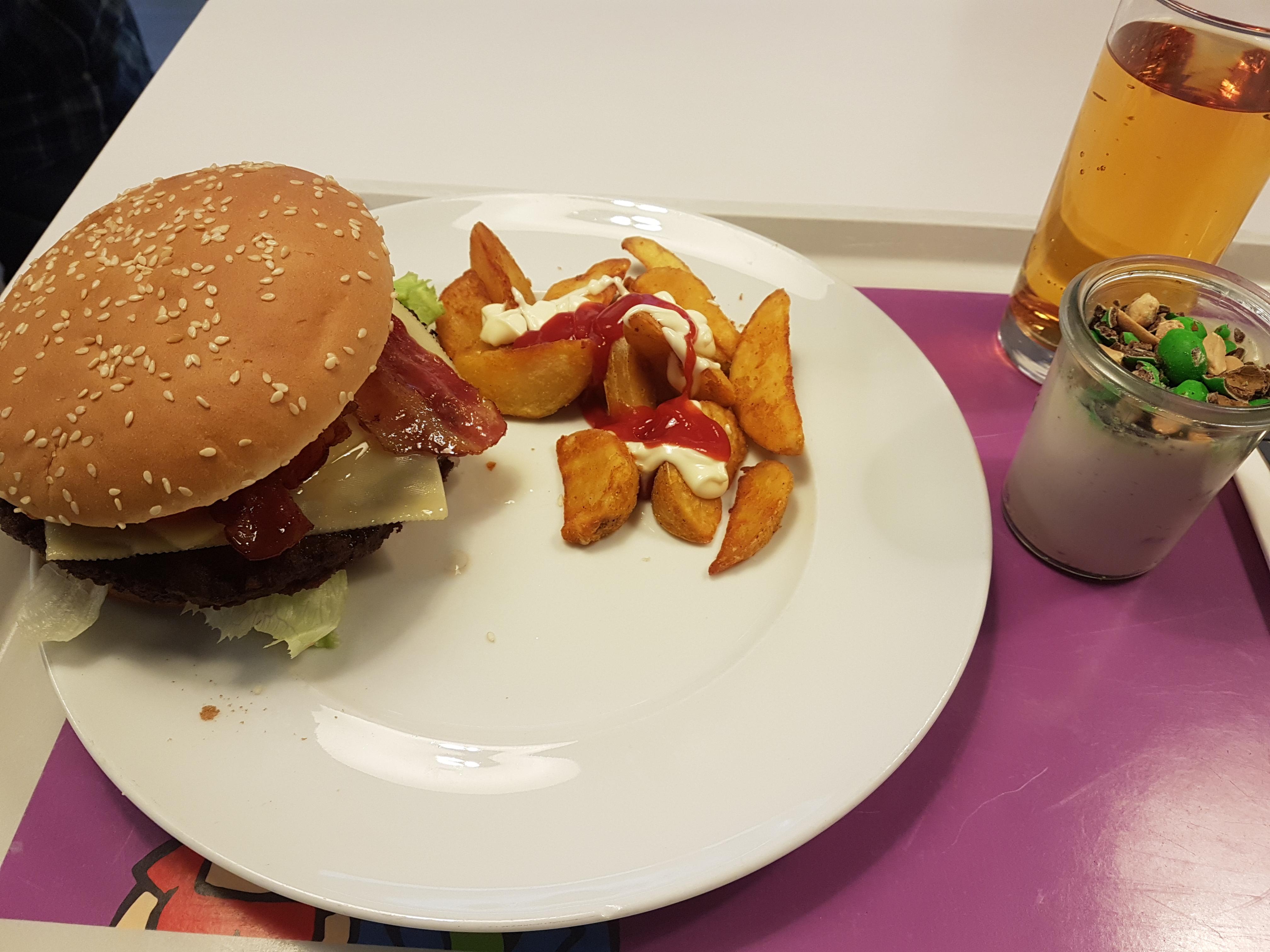 https://foodloader.net/Holz_2018-11-12_Burger.jpg