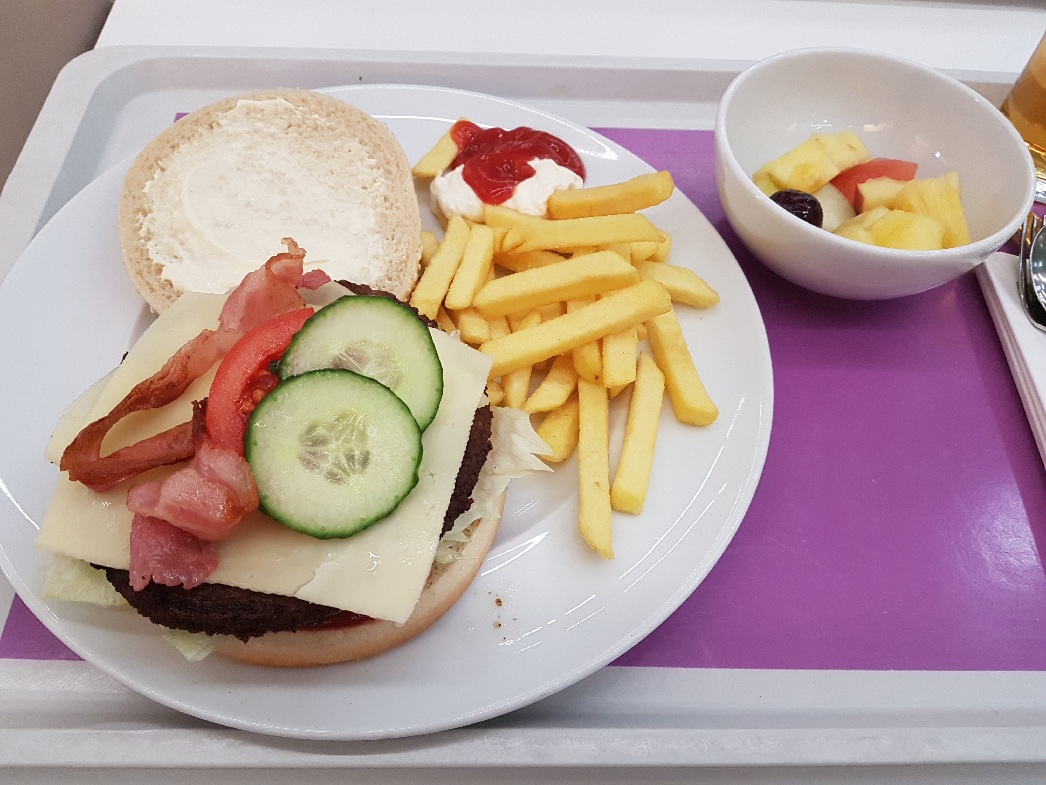 https://foodloader.net/Holz_2019-03-14_Burger.jpg