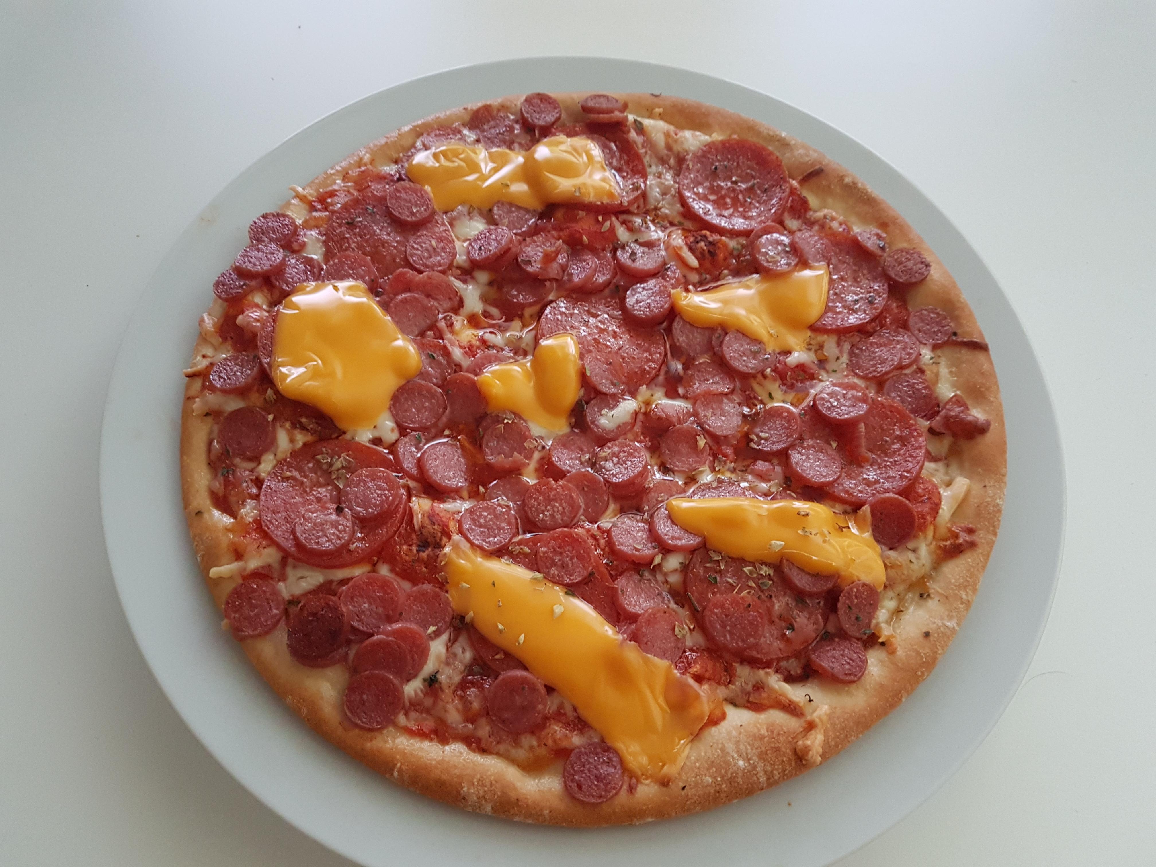 https://foodloader.net/Holz_2019-05-18_Pizza.jpg